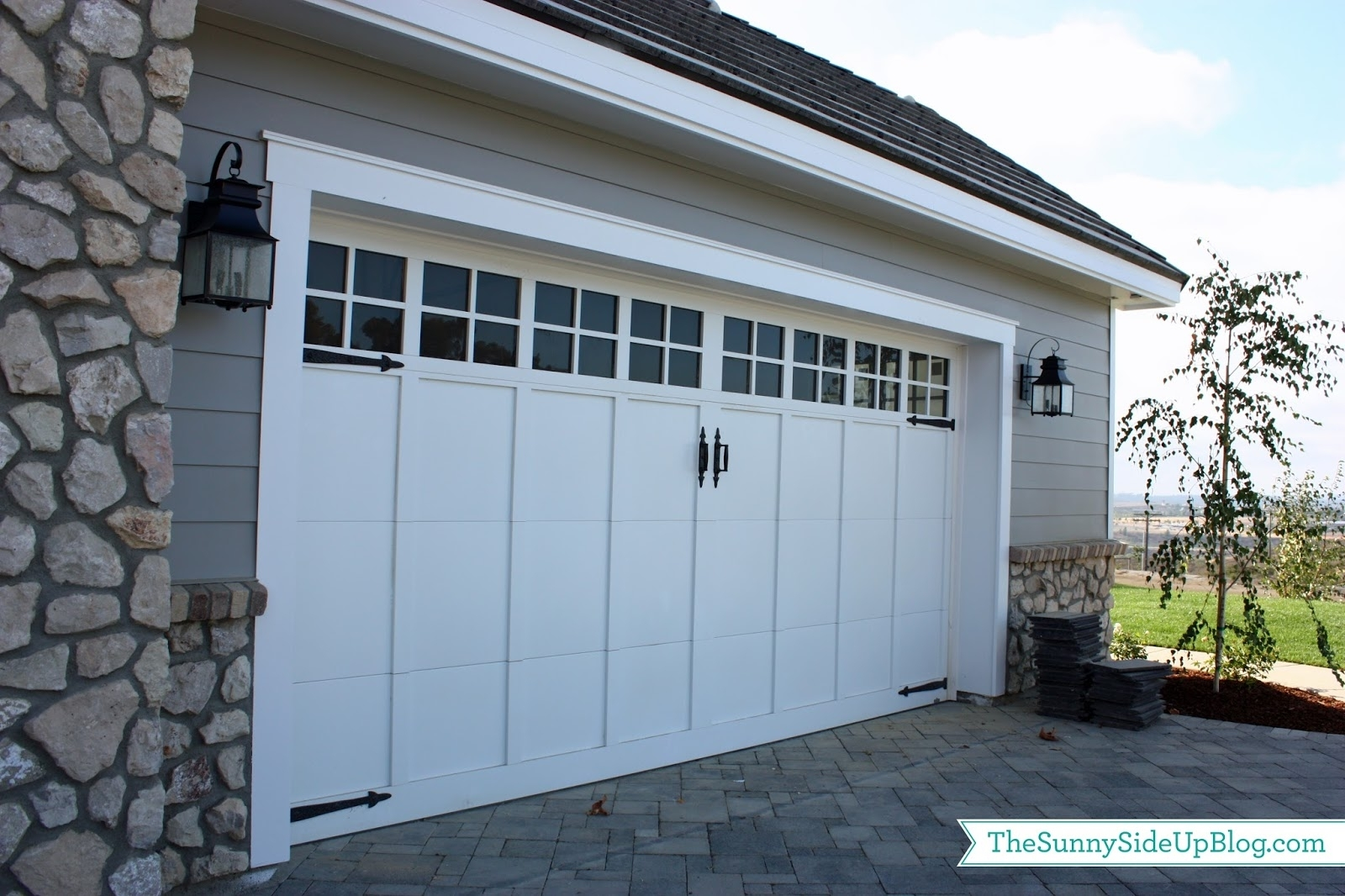42 Garage Door Lanterns, Inspiring Outdoor Lantern Light Fixtures Within Outdoor Garage Lanterns (View 4 of 20)