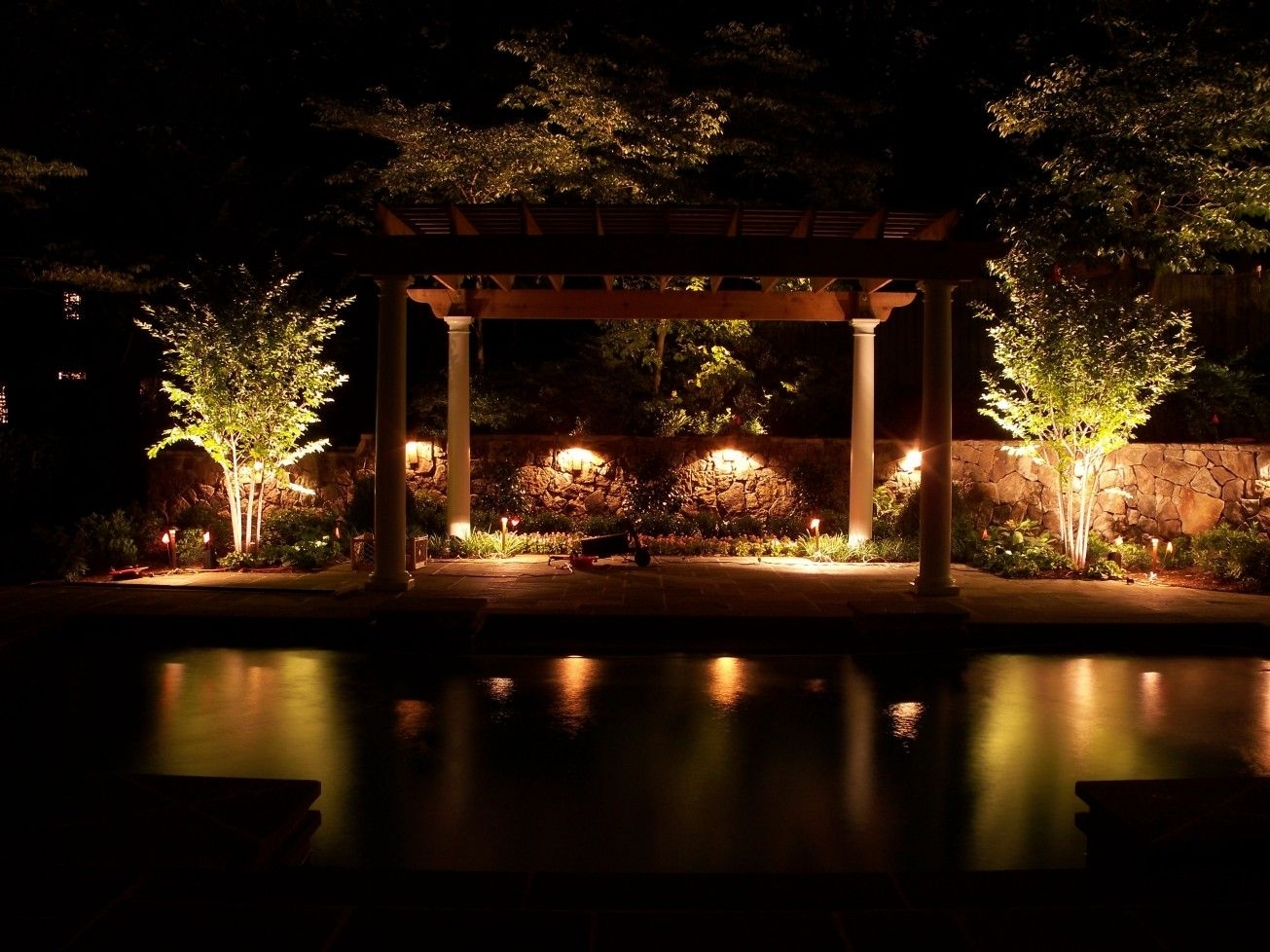75 Beautiful And Artistic Outdoor Lighting Ideas | Outdoor Lighting Within Outdoor Lanterns For Poolside (Photo 20 of 20)