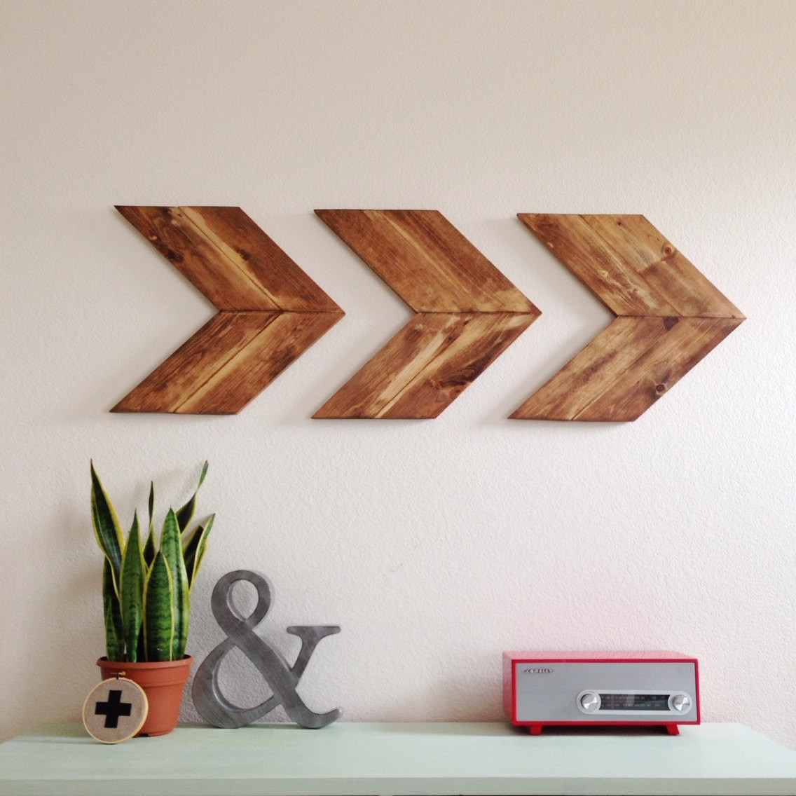 Arrow Wall Art Brilliant On Decor In 15 Striking Ways To Decorate regarding Arrow Wall Art (Image 4 of 20)
