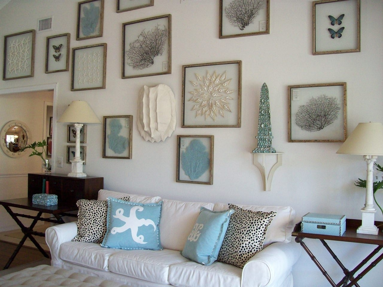Easily Coastal Wall Decor Ideas Livingroom Beach Themed Living Room Within Large Coastal Wall Art (Photo 10 of 20)