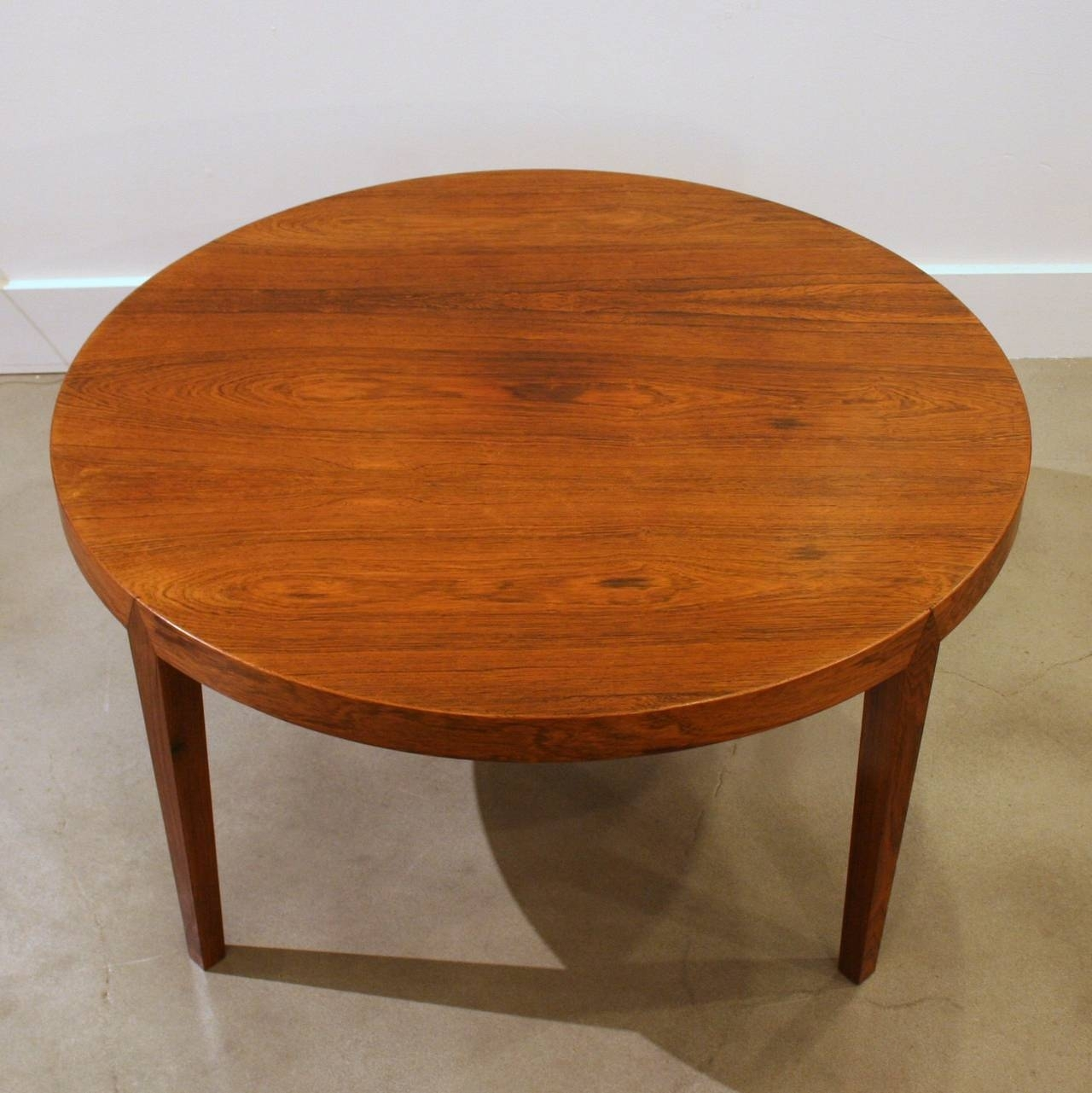 Making Teak Round Coffee Table — New Home Design throughout Round Teak Coffee Tables (Image 10 of 30)