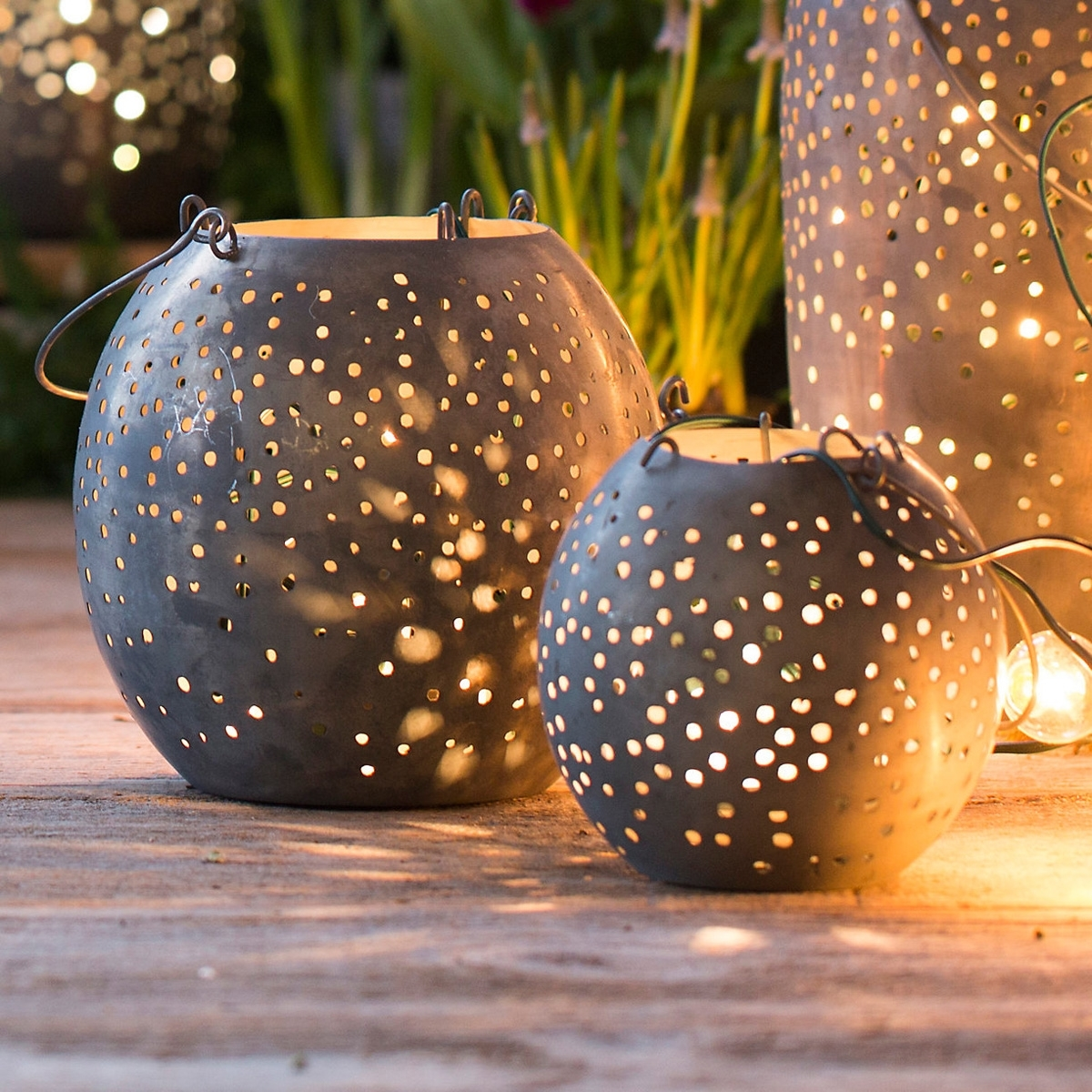 Metal Outdoor Lanterns – Home Ideas For Metal Outdoor Lanterns (View 17 of 20)