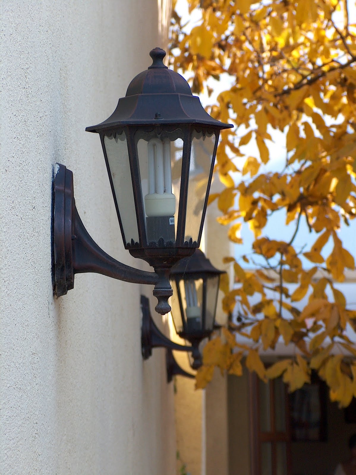 Old Fashioned Lighting At Home: Antique Outdoor Lighting Fixtures For Outdoor Lanterns For Porch (View 16 of 20)