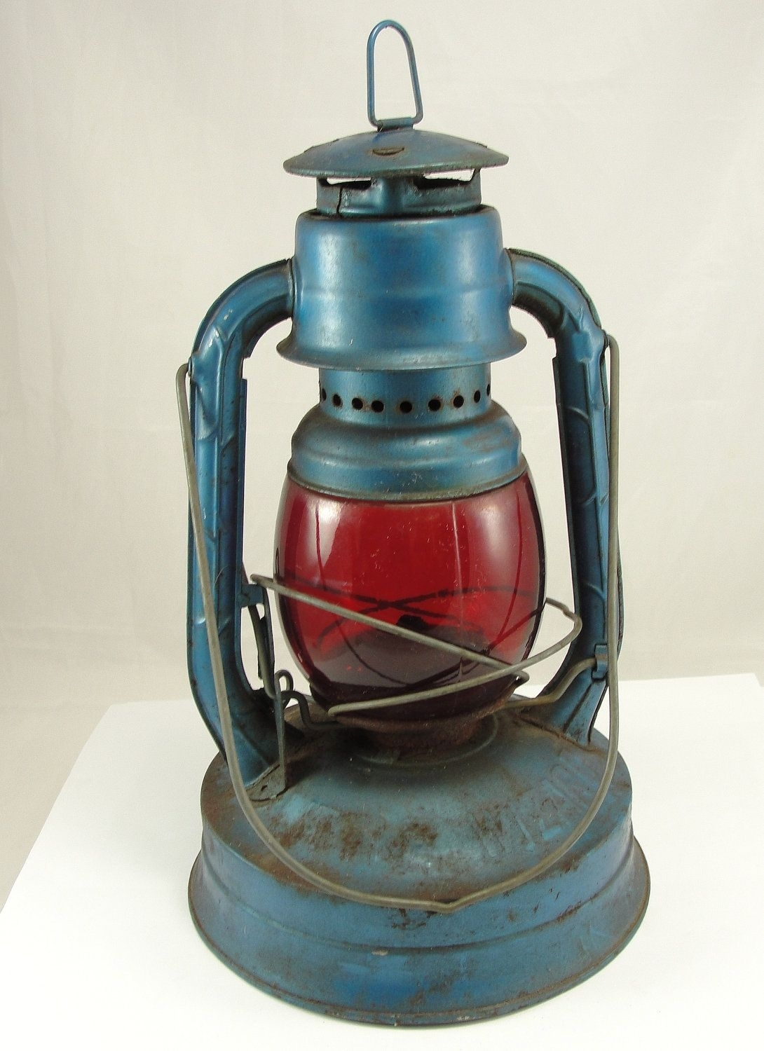 Old Kerosene Lanterns For Sale | Vintage Dietz Lantern Railroad with regard to Outdoor Railroad Lanterns (Image 14 of 20)