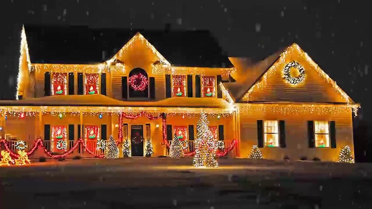Outdoor Christmas Lighting Decorations Ideas For Home, Office Back regarding Outdoor Lanterns For Christmas (Image 13 of 20)