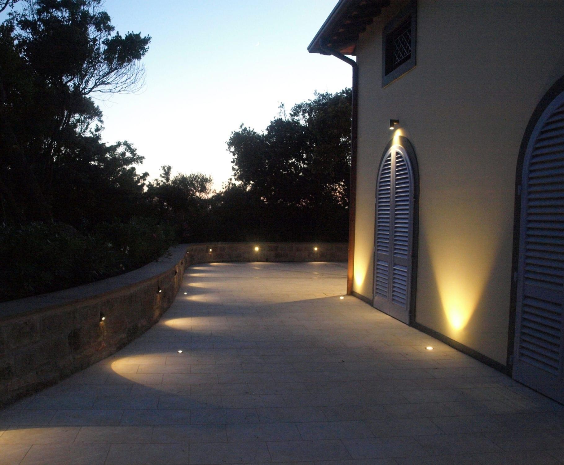 Outdoor Floor Lighting - Homes Floor Plans with Outdoor Ground Lanterns (Image 15 of 20)