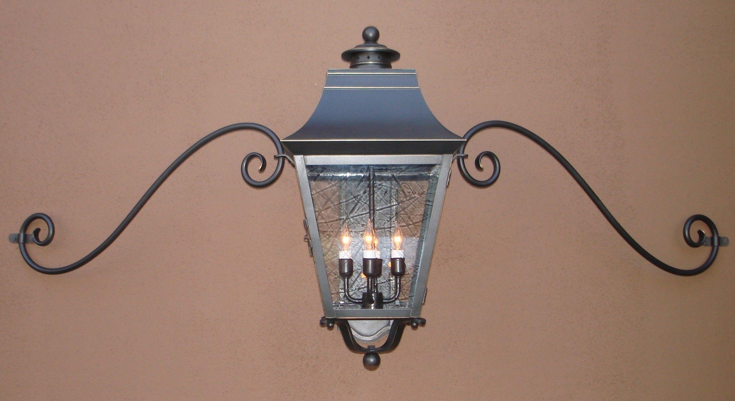 Outdoor Garage Lights Above Doors Modern Outdoor Garage Lights For Outdoor Mounted Lanterns (View 13 of 20)