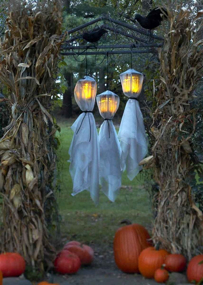 Outdoor Halloween Decorations Ideas To Stand Out within Outdoor Halloween Lanterns (Image 16 of 20)