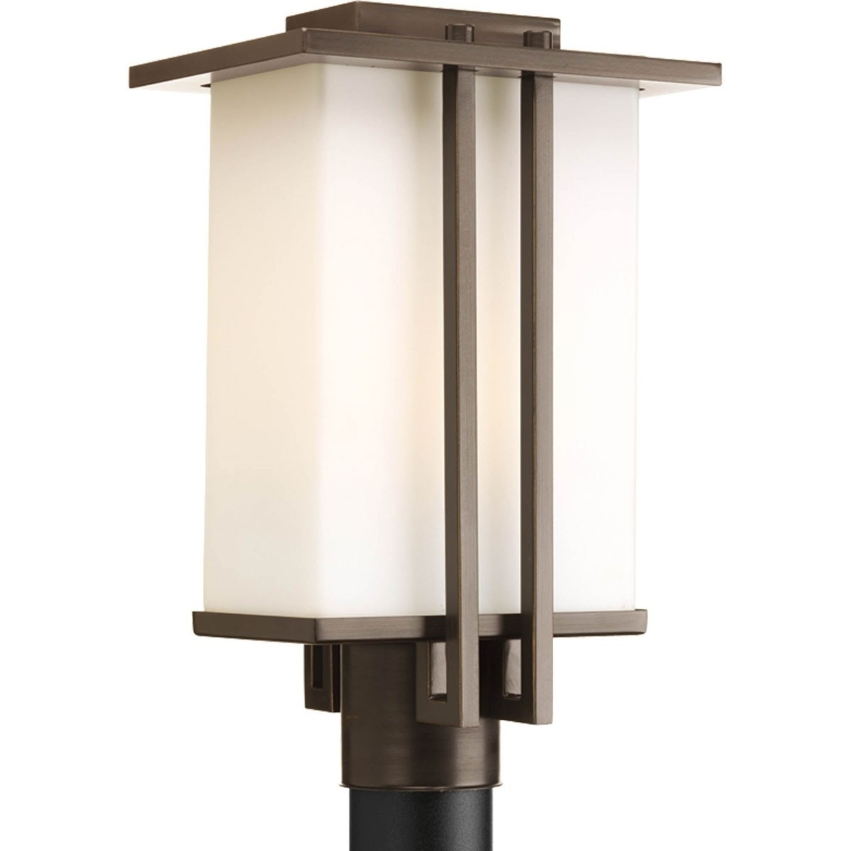 Outdoor Pole Lighting Fixtures Outdoor Pole Lighting Fixtures pertaining to Outdoor Pole Lanterns (Image 16 of 20)