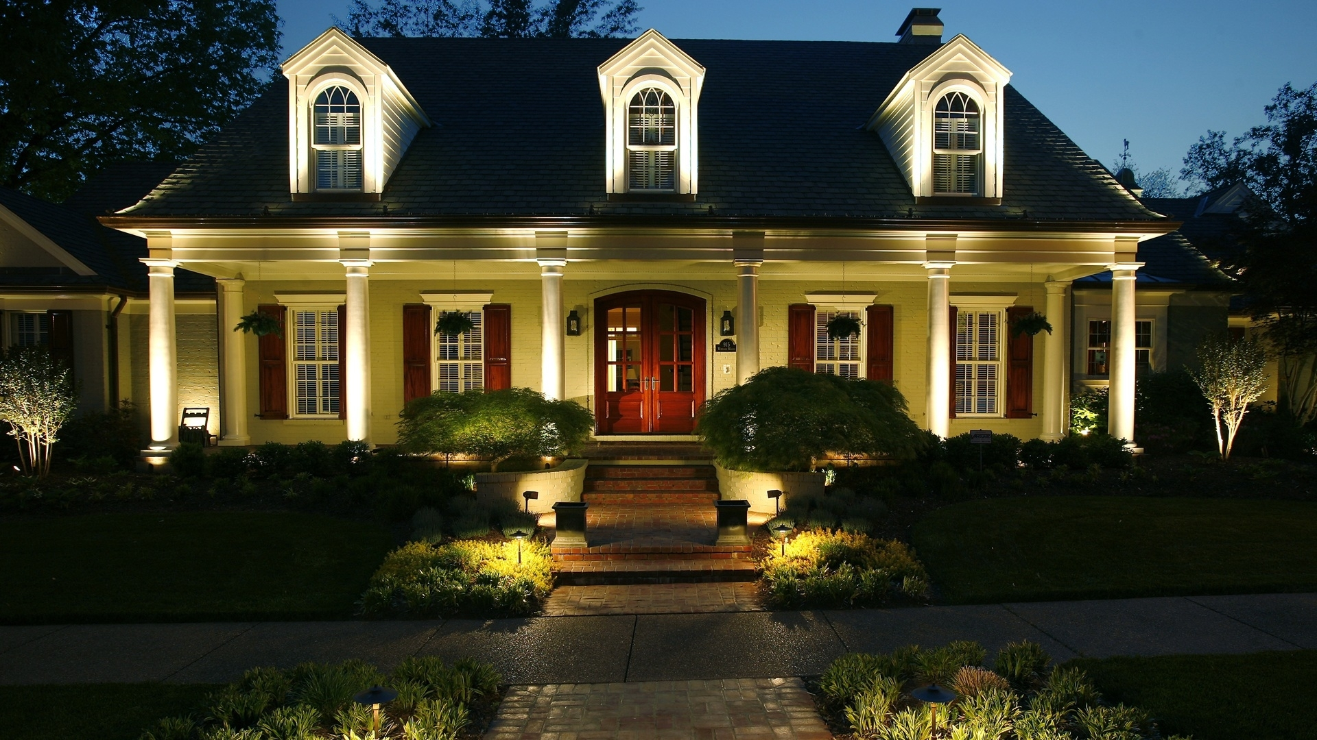 Outdoor Yard Lighting Fixtures Landscape Companies Is An Experience regarding Outdoor Yard Lanterns (Image 15 of 20)