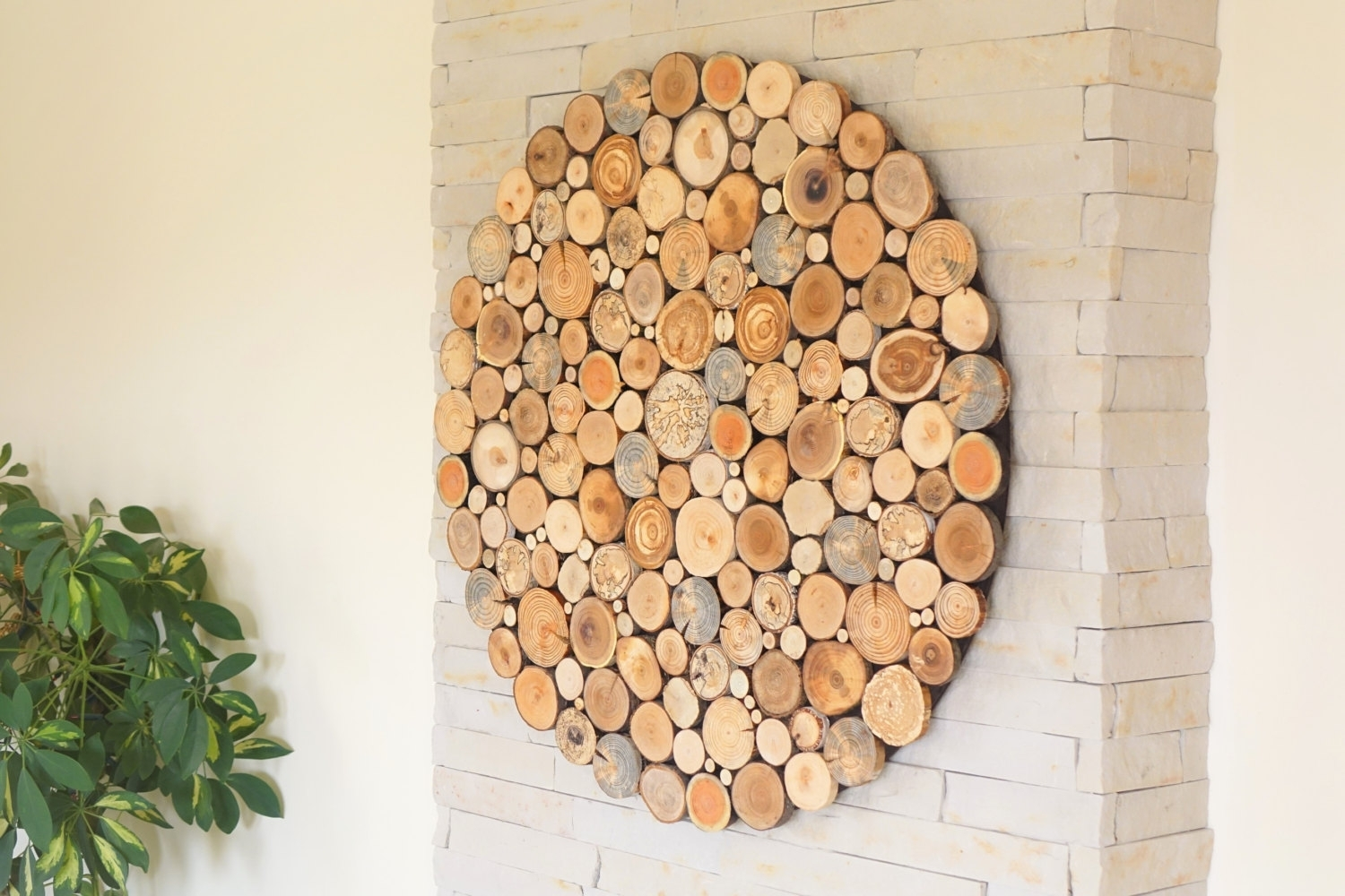 Round Wood Wall Art , Tree Rounds Decor, Holzwand Kunst, Round Wall Regarding Round Wall Art (View 20 of 20)