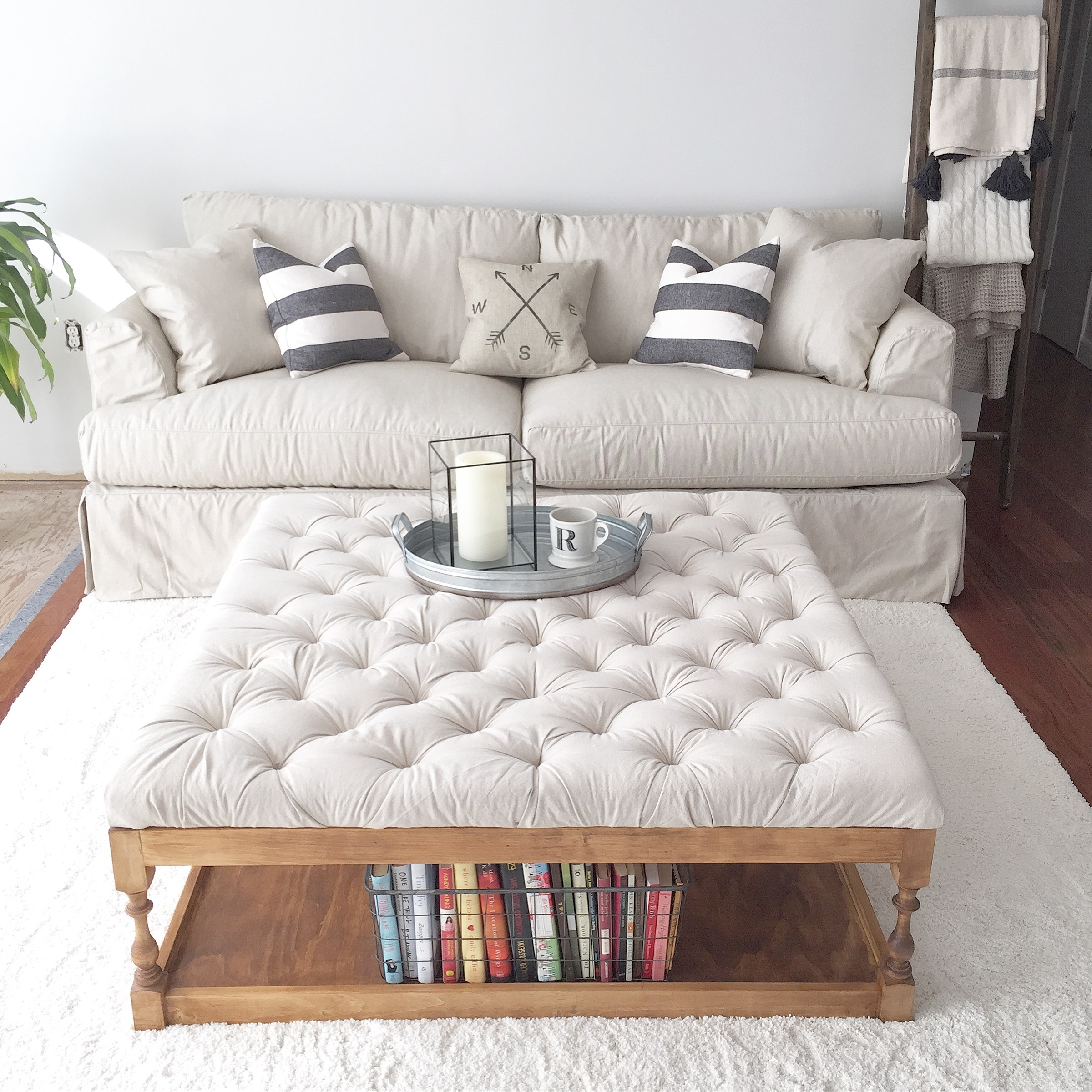 Royal Charm Button Tufted Coffee Tables For Interior | Trends4Us regarding Button Tufted Coffee Tables (Image 21 of 30)