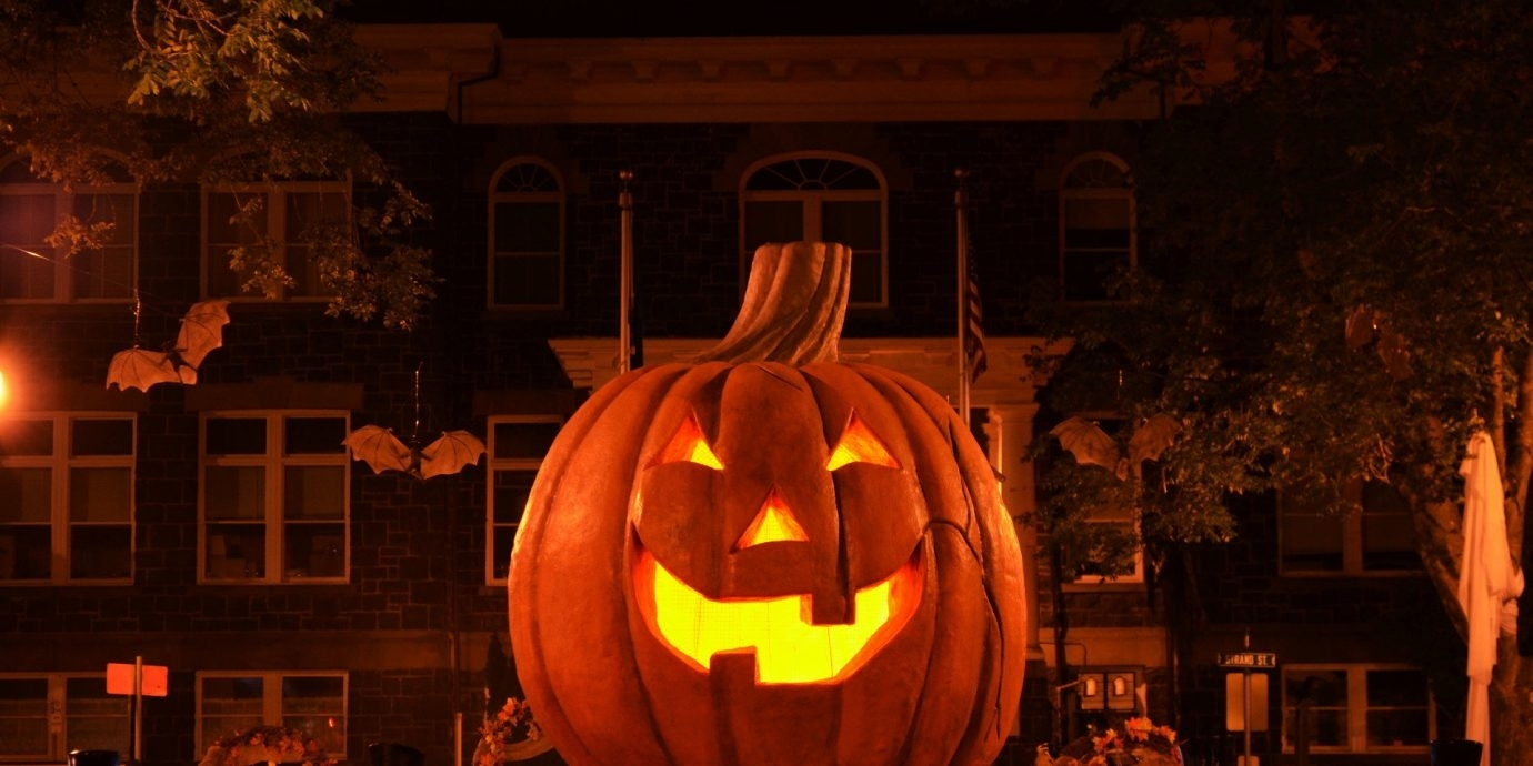 The 5 Best Pumpkin Festivals In The U.s. | Jetsetter inside Outdoor Pumpkin Lanterns (Image 20 of 20)