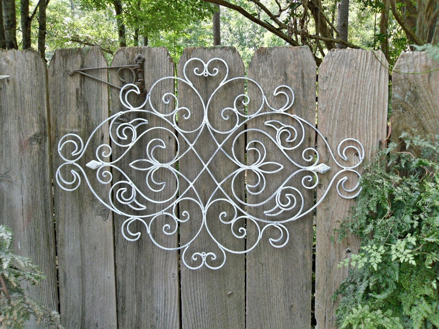 White Shabby Chic Metal Wall Decor/ Fleur De Lis / Patio / Indoor With Wrought Iron Wall Art (View 17 of 20)