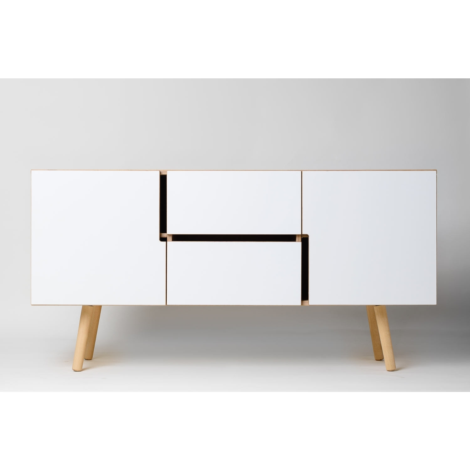 Decovry, Exclusive Home Decoration In Oil Pale Finish 3 Door Sideboards (View 14 of 30)