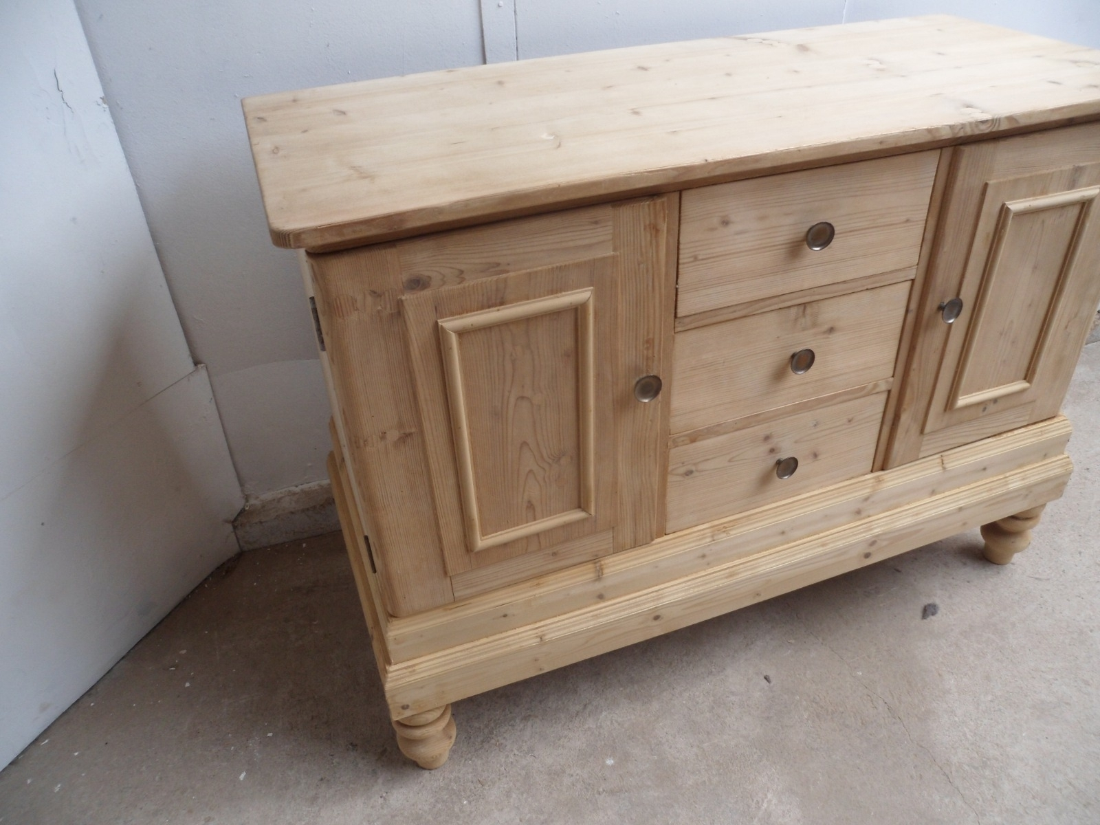 Lovely Old Pine 2 Door 3 Drawer Kitchen Dresser Base To Wax / Paint within Aged Pine 3-Drawer 2-Door Sideboards (Image 20 of 30)