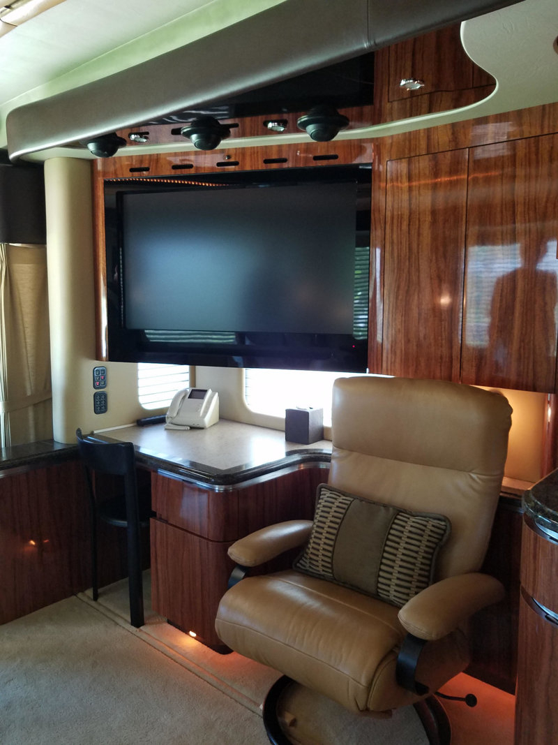 2008 Used Newell 45' Bath And A Half Coach #1245 At Choice Auto Regarding Lauderdale 74 Inch Tv Stands (Gallery 26 of 30)