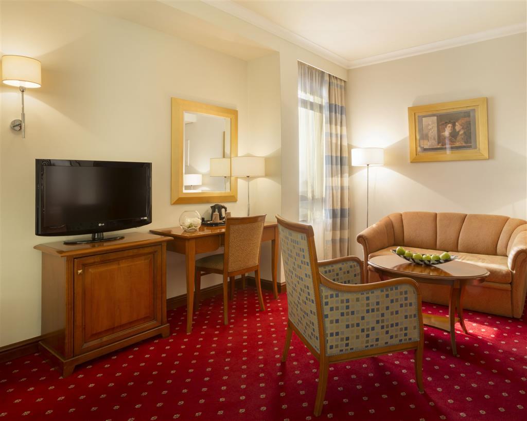 Hotel In Zagreb | Best Western Premier Hotel Astoria regarding Maddy 70 Inch Tv Stands (Image 10 of 30)