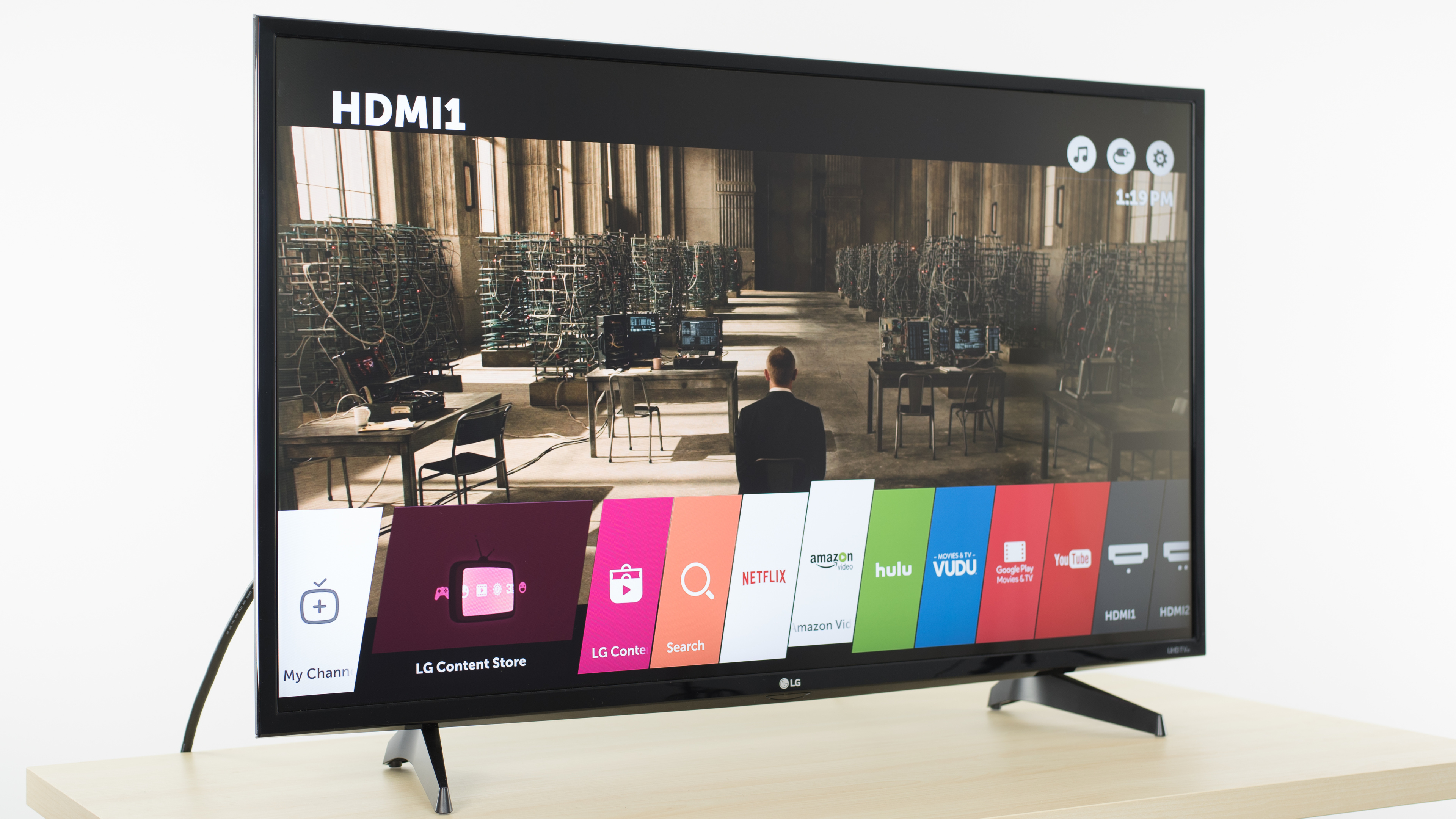 Lg Uh6100 Review (43uh6100, 49uh6100) – Rtings Regarding Vista 60 Inch Tv Stands (View 8 of 30)