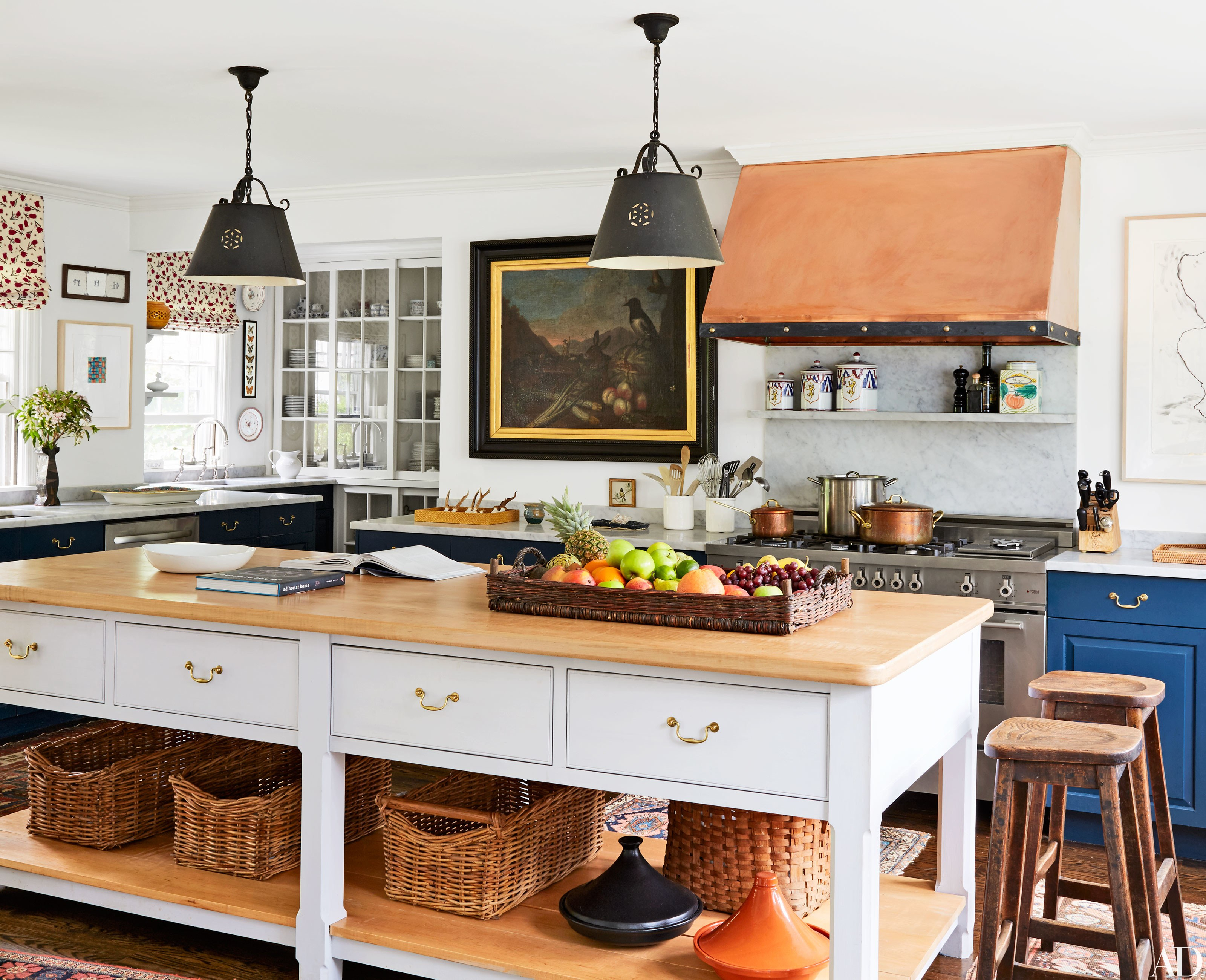 31 Kitchens With Pretty Pendant Lighting | Architectural Digest Pertaining To Ariel 2 Light Kitchen Island Dome Pendants (Image 2 of 30)