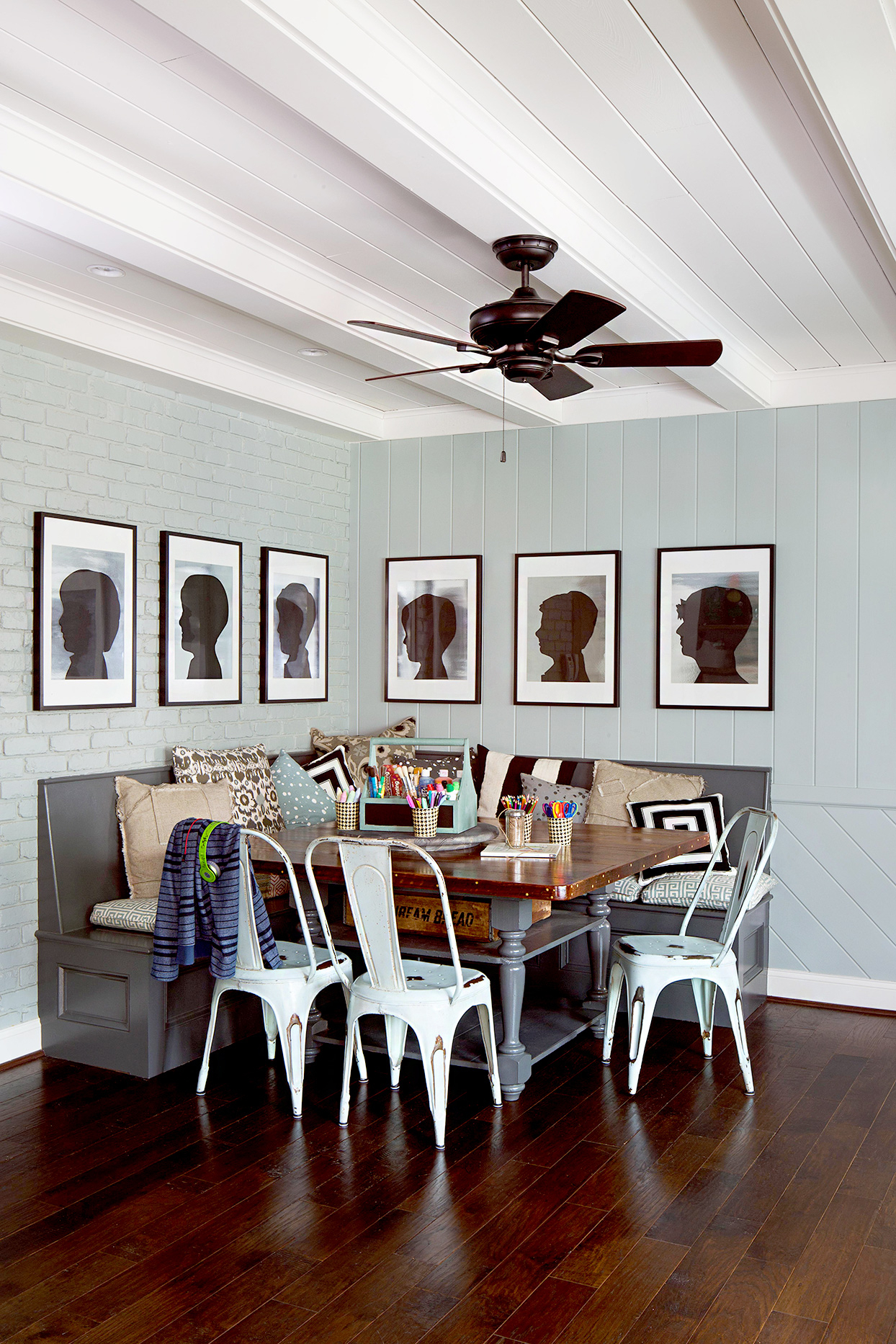 32 Creative Ideas For Every Blank Wall In Your Home Within Casual Country Eat Here Retro Wall Decor (View 7 of 30)