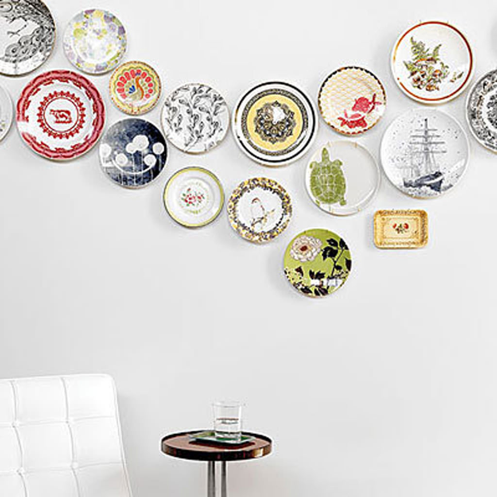 37 Ingenious Plate Wall Decor Ideas That Make Cute for Scattered Metal Italian Plates Wall Decor (Image 1 of 30)