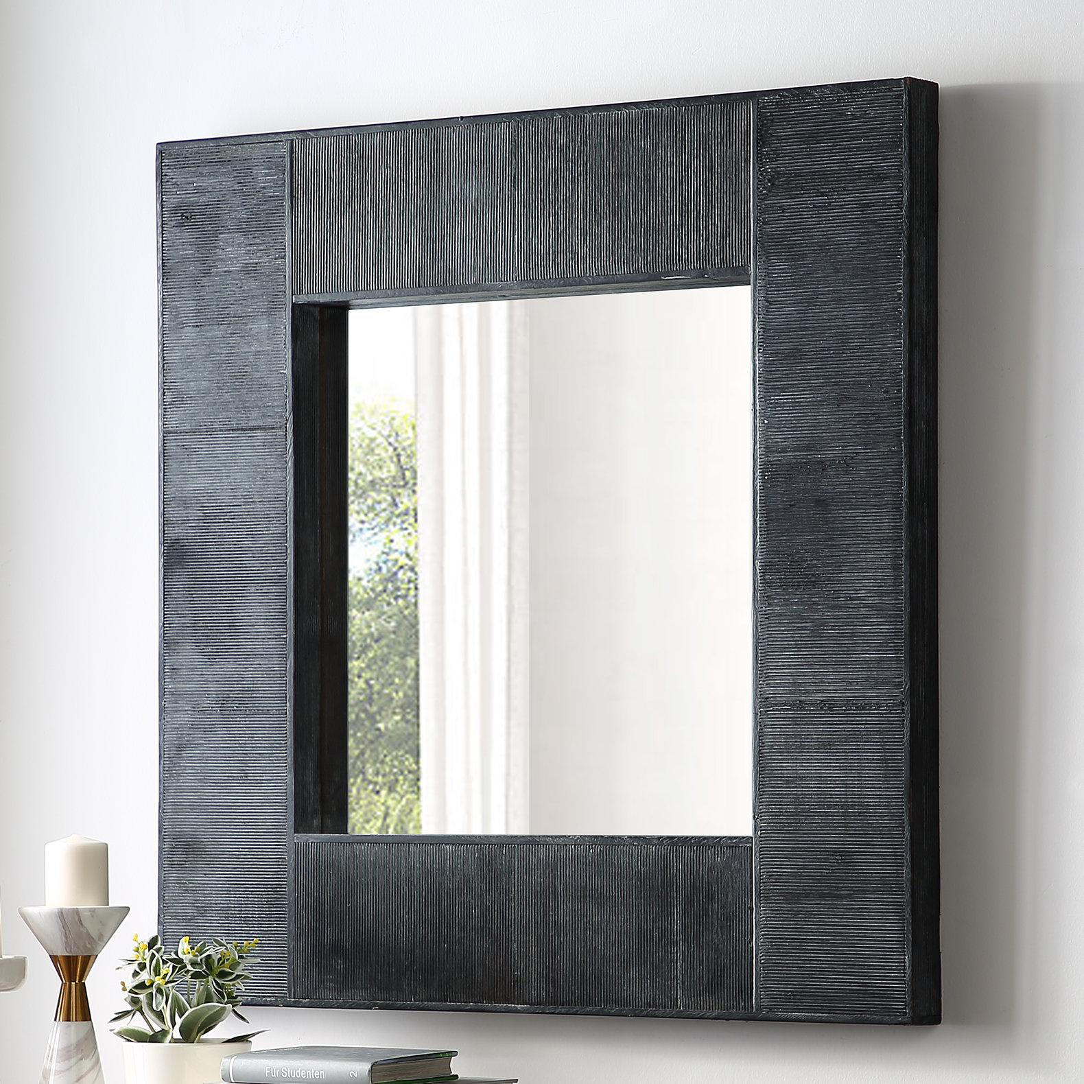 Elizebeth Accent Mirror In Rena Accent Mirrors (Gallery 5 of 30)