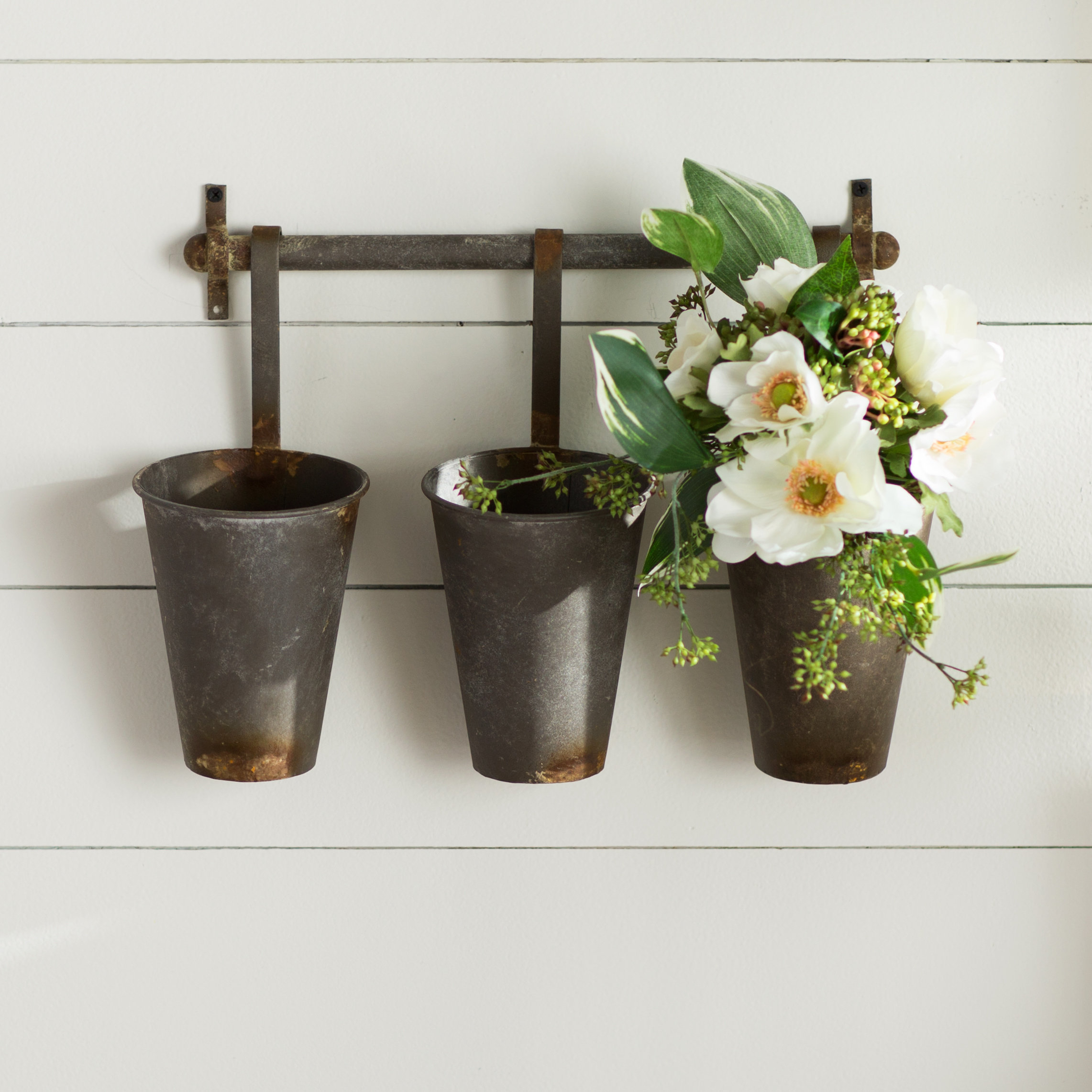 Featured Photo of Farm Metal Wall Rack And 3 Tin Pot With Hanger Wall Decor