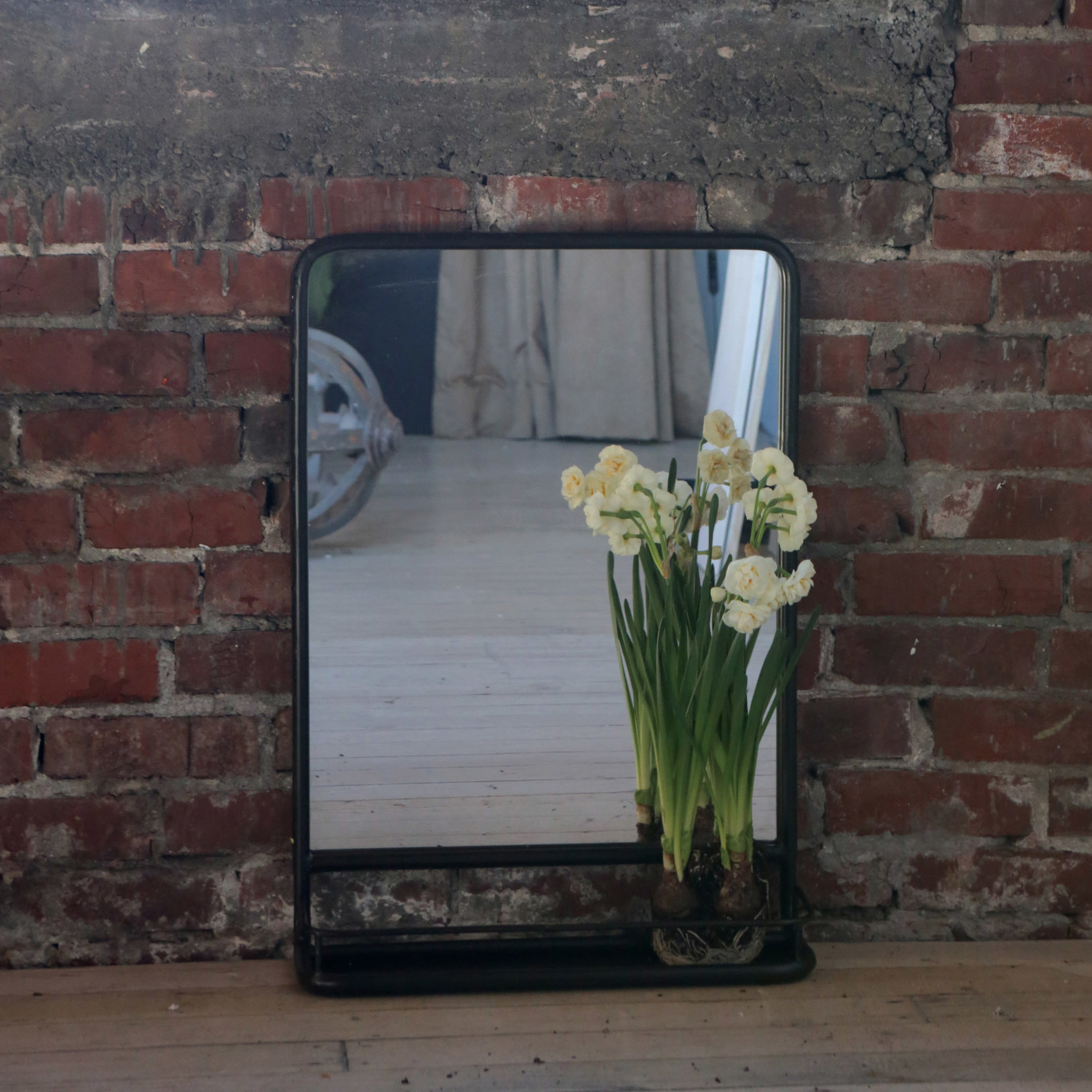 Laurel Foundry Modern Farmhouse Peetz Modern Rustic Accent Mirror throughout Peetz Modern Rustic Accent Mirrors (Image 18 of 30)