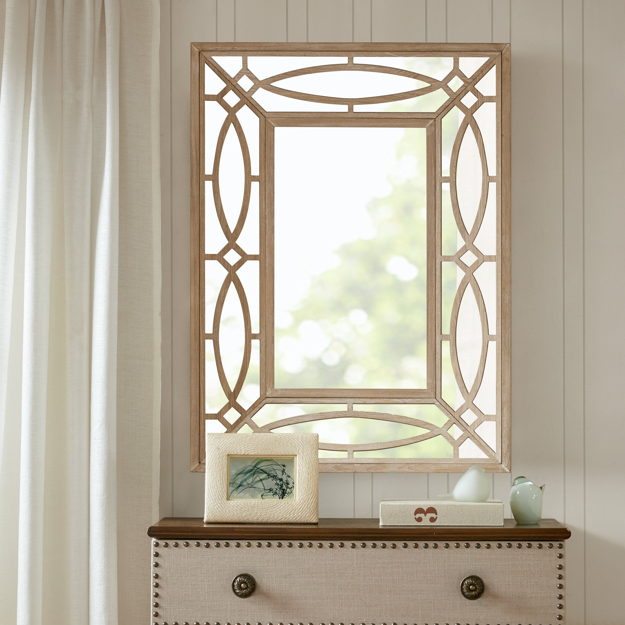 Modern And Contemporary Accent Mirror In Brynn Accent Mirrors (View 6 of 30)