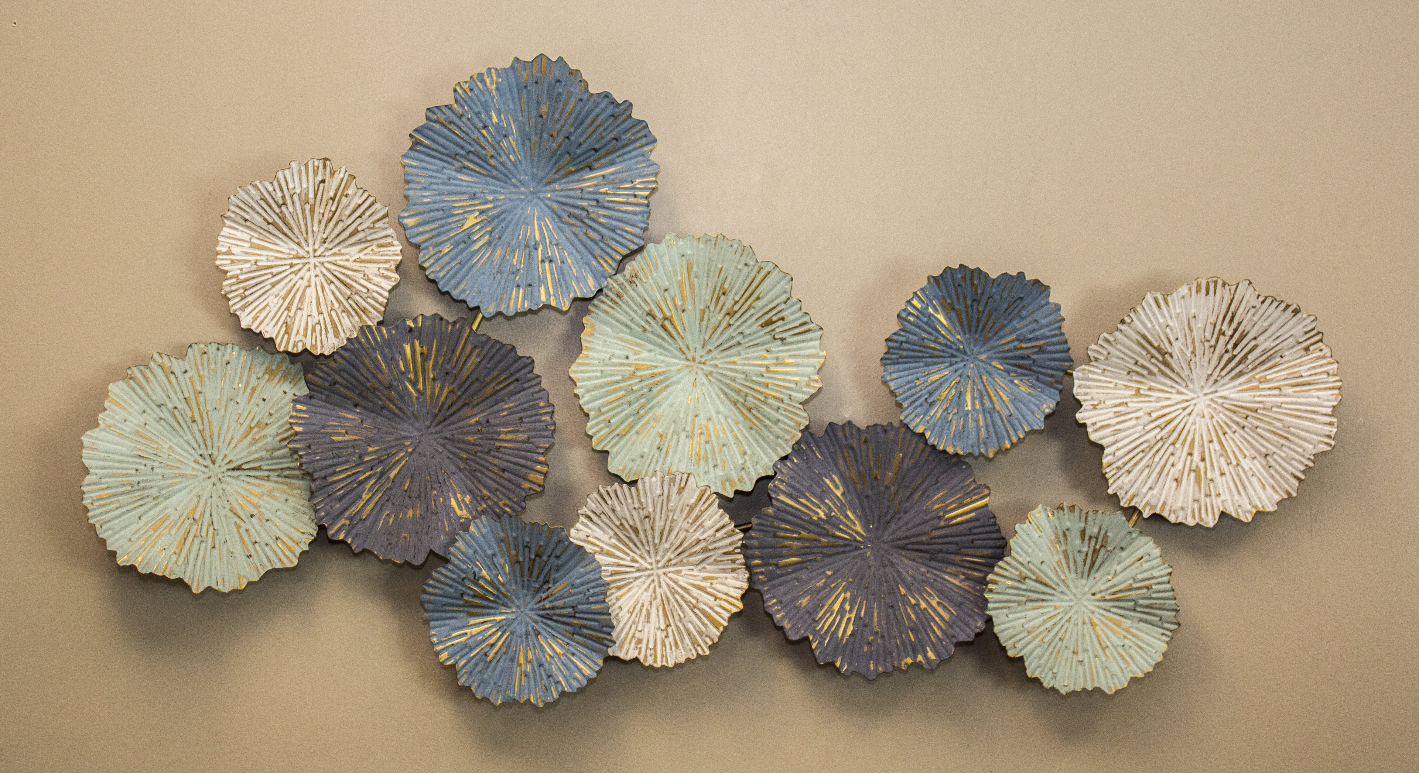 Modern Metal Wall Décor pertaining to Multi Plates Wall Decor (Image 15 of 30)