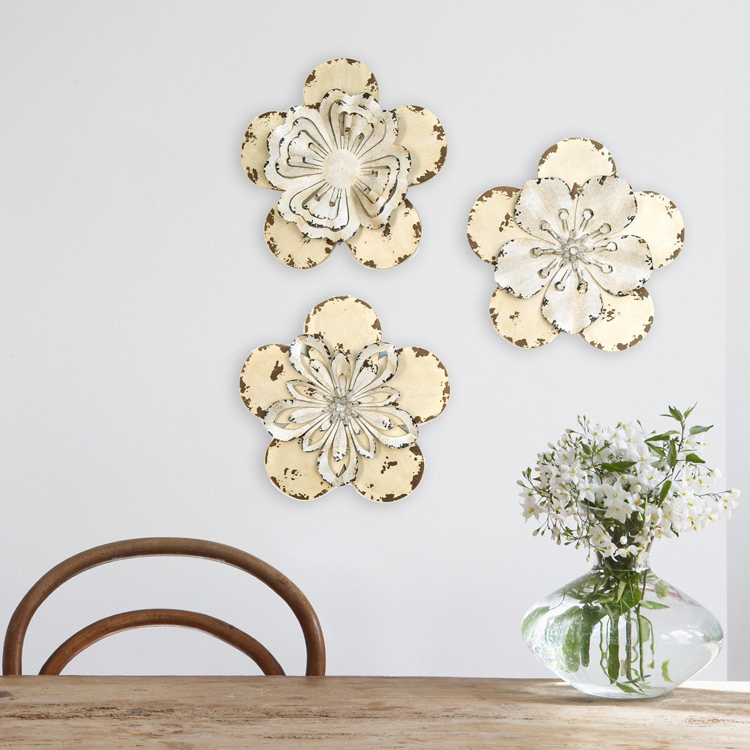 Stratton Home Decor 3 Piece Set Rustic Flowers Wall Decor Throughout Metal Flower Wall Decor (Set Of 3) (View 8 of 30)