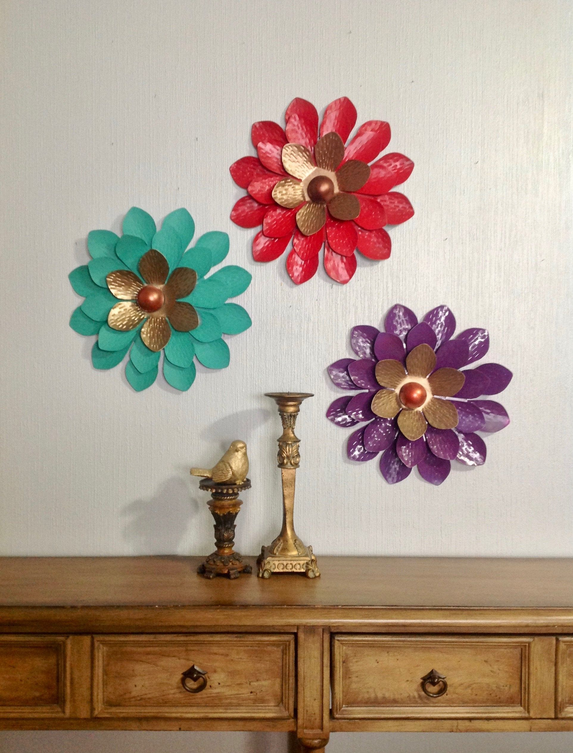 The Best Metal Flower Wall Decor (Set Of 3) With Regard To Metal Flower Wall Decor (Set Of 3) (View 10 of 30)