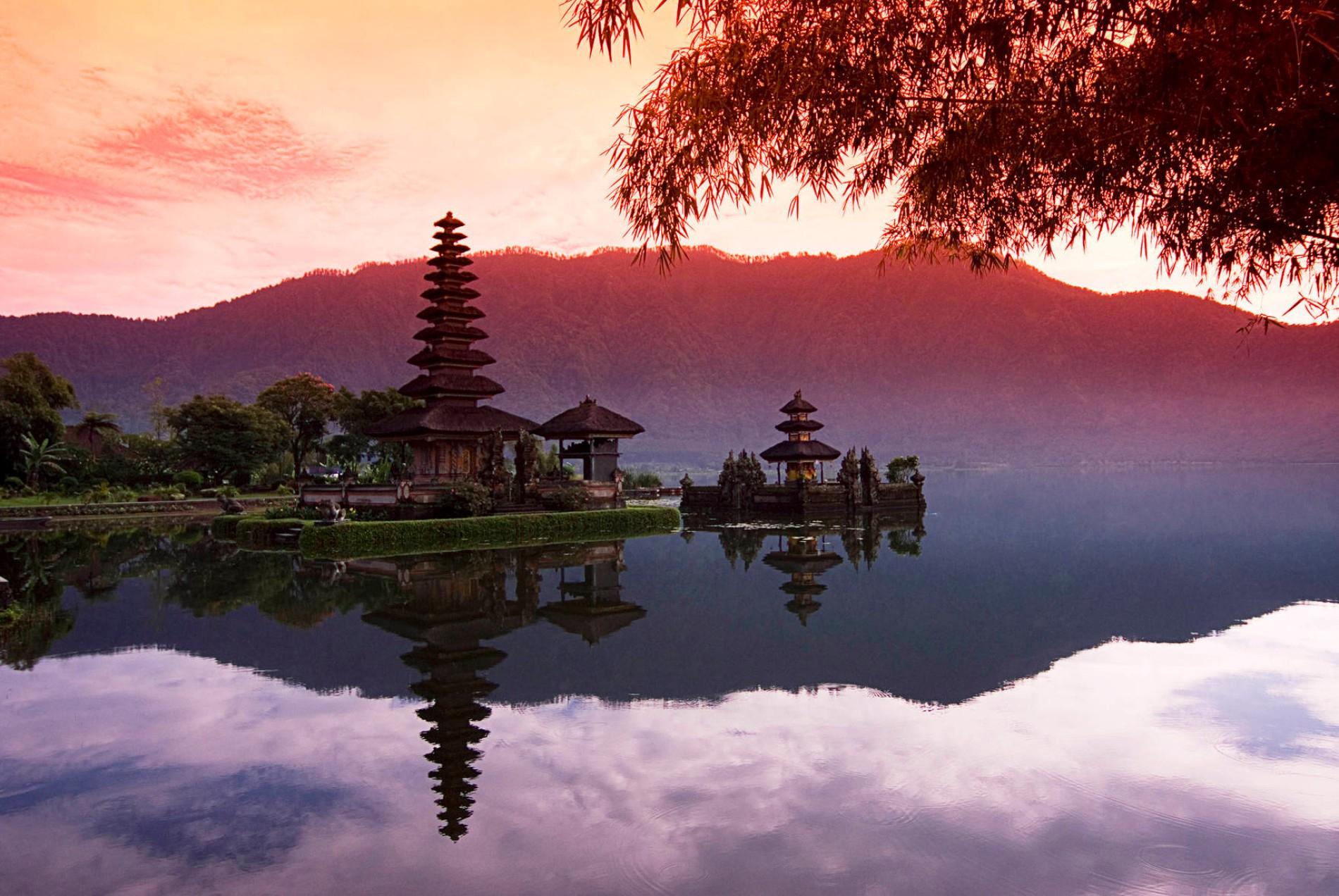 Welthandelsabkommen: Das Wunder Von Bali regarding Lacordaire Wall Mounted Mailbox (Image 30 of 30)
