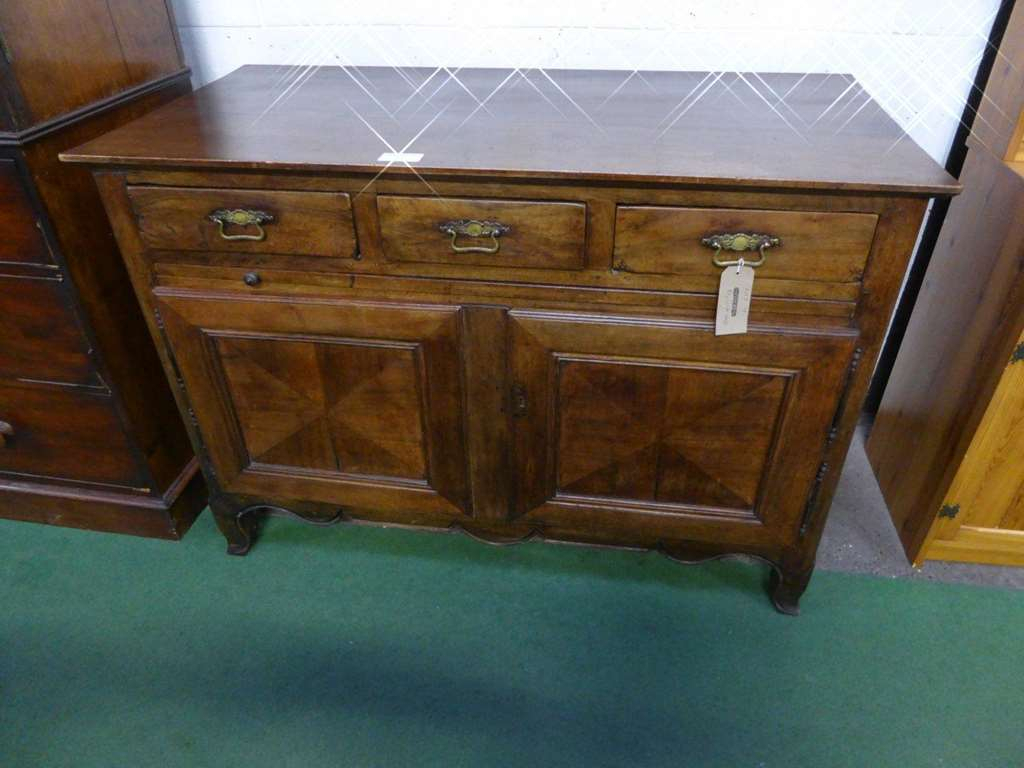 2018 08 18 Antique & General Auction Gallery | Thimbleby Intended For Shoreland Sideboards (View 2 of 30)