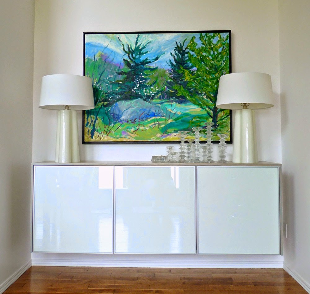 Dans Le Lakehouse With Summer Desire Credenzas (View 9 of 30)