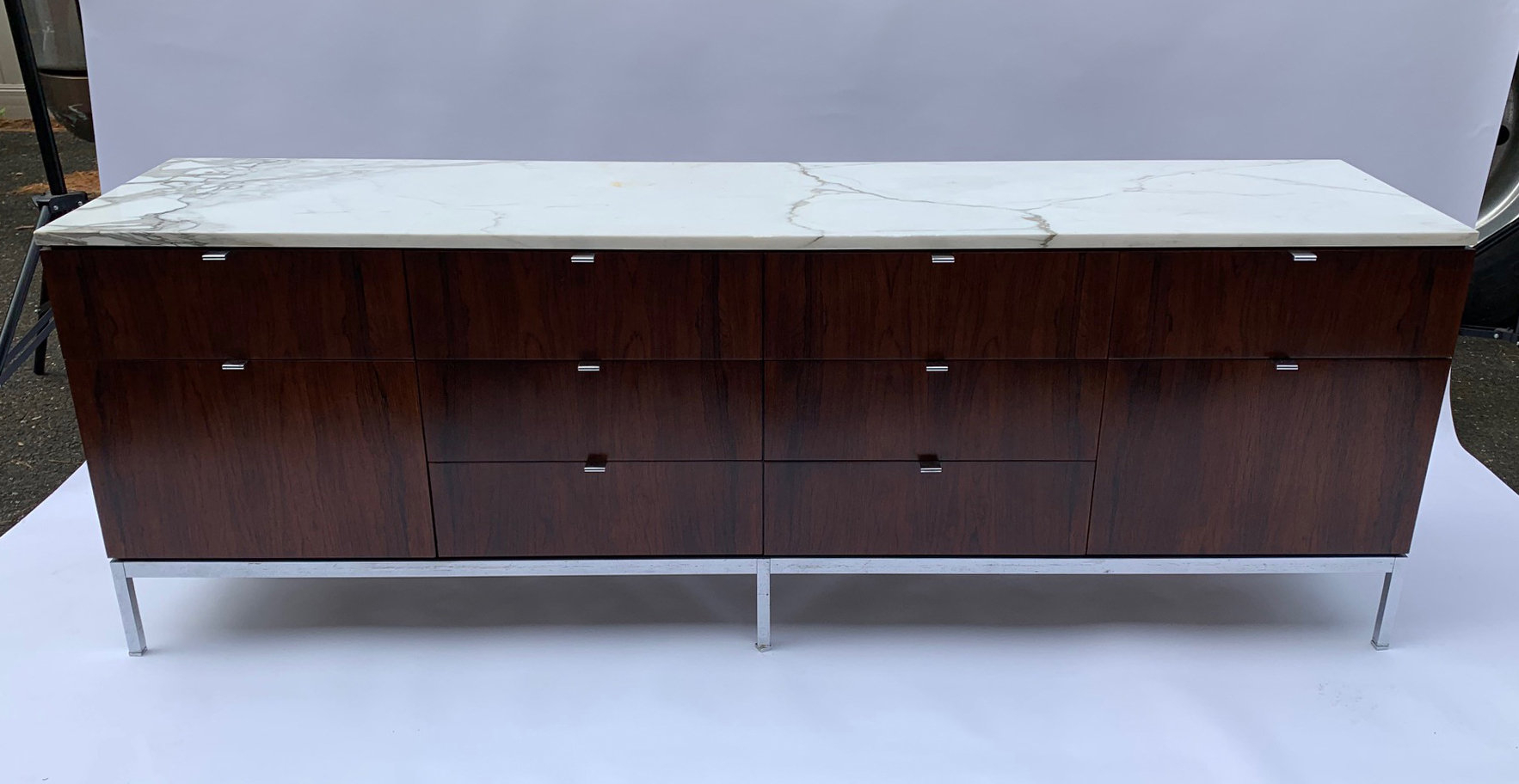 Florence Knoll Rosewood 10 Drawer Cabinet Or Credenza With Carrara Marble Top In Ocean Marble Credenzas (View 21 of 30)