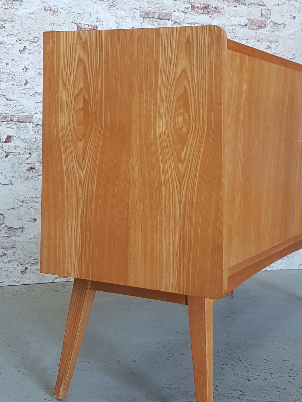 Kategorien - Startseite pertaining to Mid-Century Brown and Grey Sideboards (Image 13 of 30)