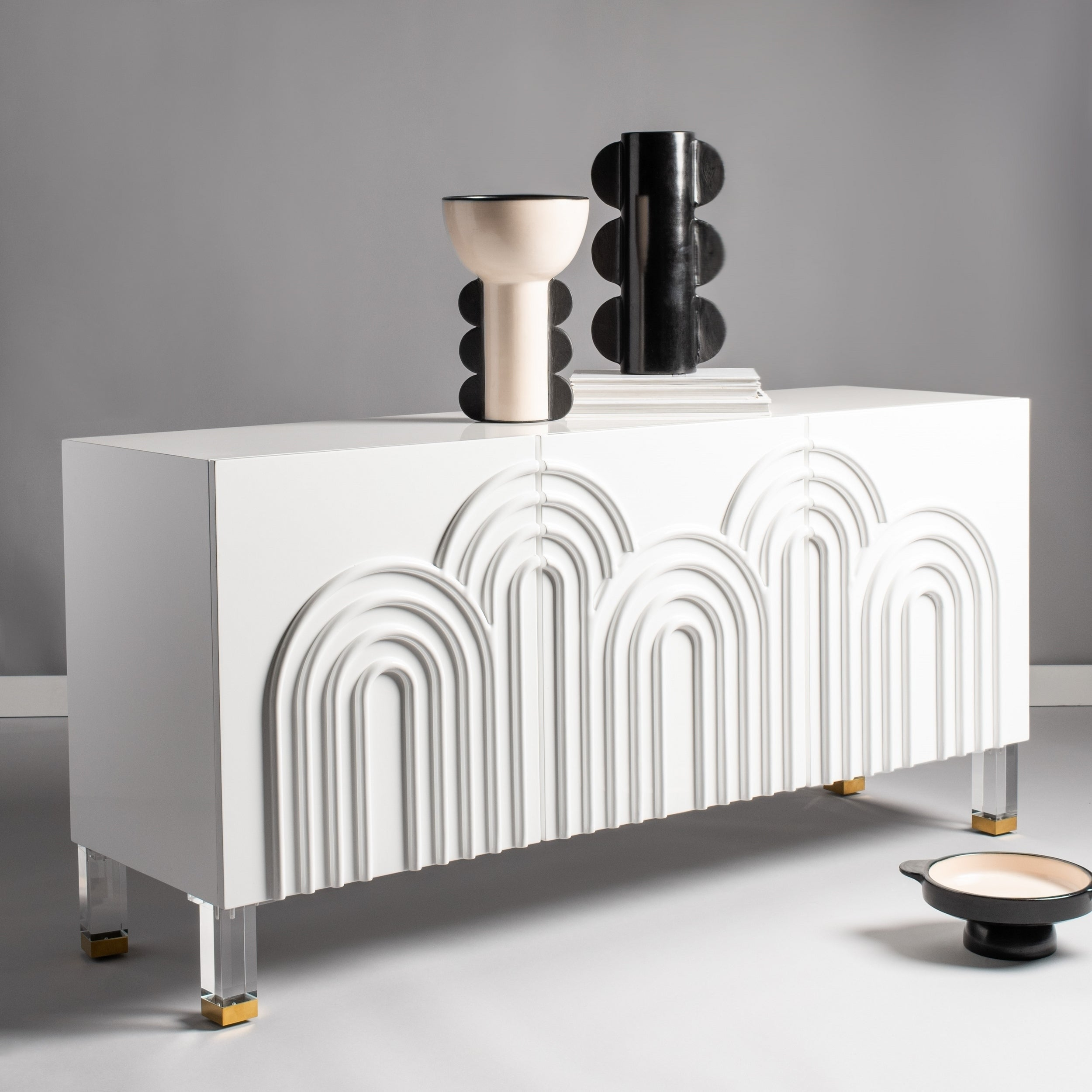 Safavieh Couture Saturn Wave Acrylic Sideboard In Emmaline Sideboards (View 15 of 30)