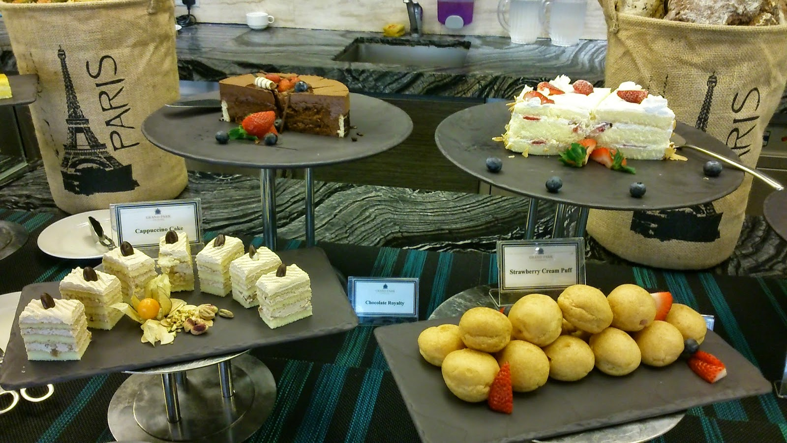 Summer Loves To Eat! Singapore Food Blog: Buffet For Cappuccino Finished Buffets (View 25 of 30)