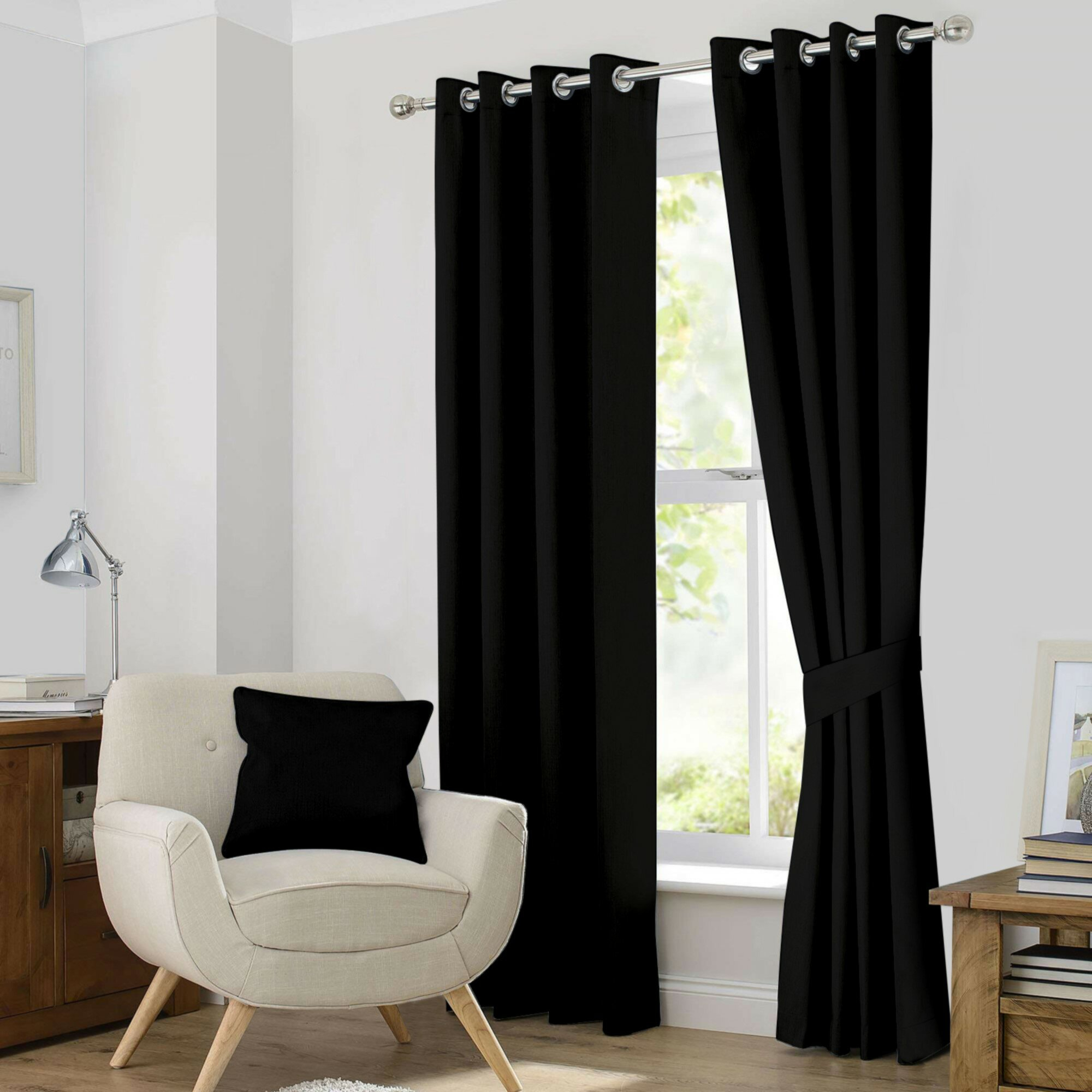 Kaylee Solid Blackout Thermal Grommet Curtain Panels With Regard To Classic Hotel Quality Water Resistant Fabric Curtains Set With Tiebacks (Gallery 9 of 20)