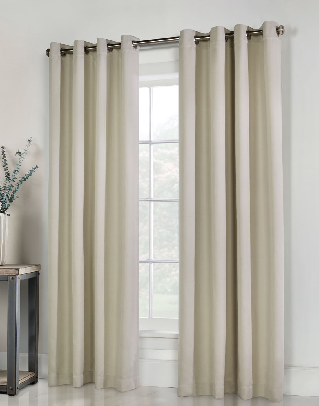 Thermal Grommet Top Curtains – Grommet Top Insulated Panels For Gray Barn Dogwood Floral Curtain Panel Pairs (View 12 of 20)