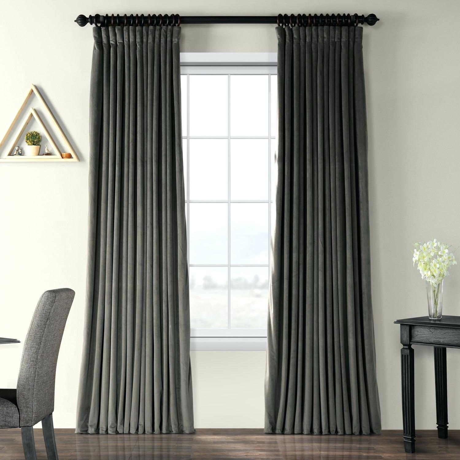 Velvet Curtain Panels For Signature Pinch Pleated Blackout Solid Velvet Curtain Panels (View 33 of 36)