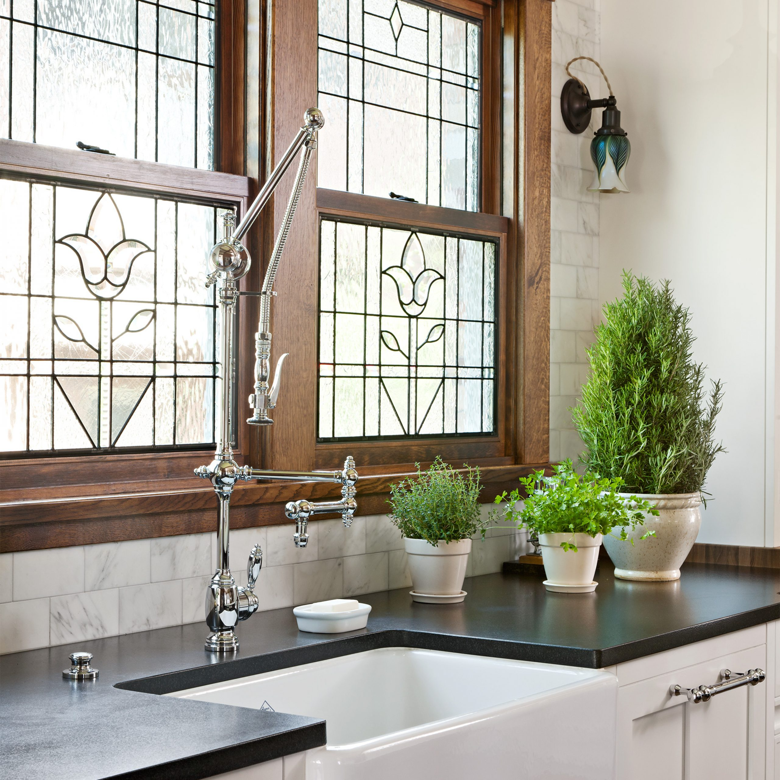 17 Rustic Window Treatments You'll Want To Try Now Regarding Classic Kitchen Curtain Sets (View 1 of 20)