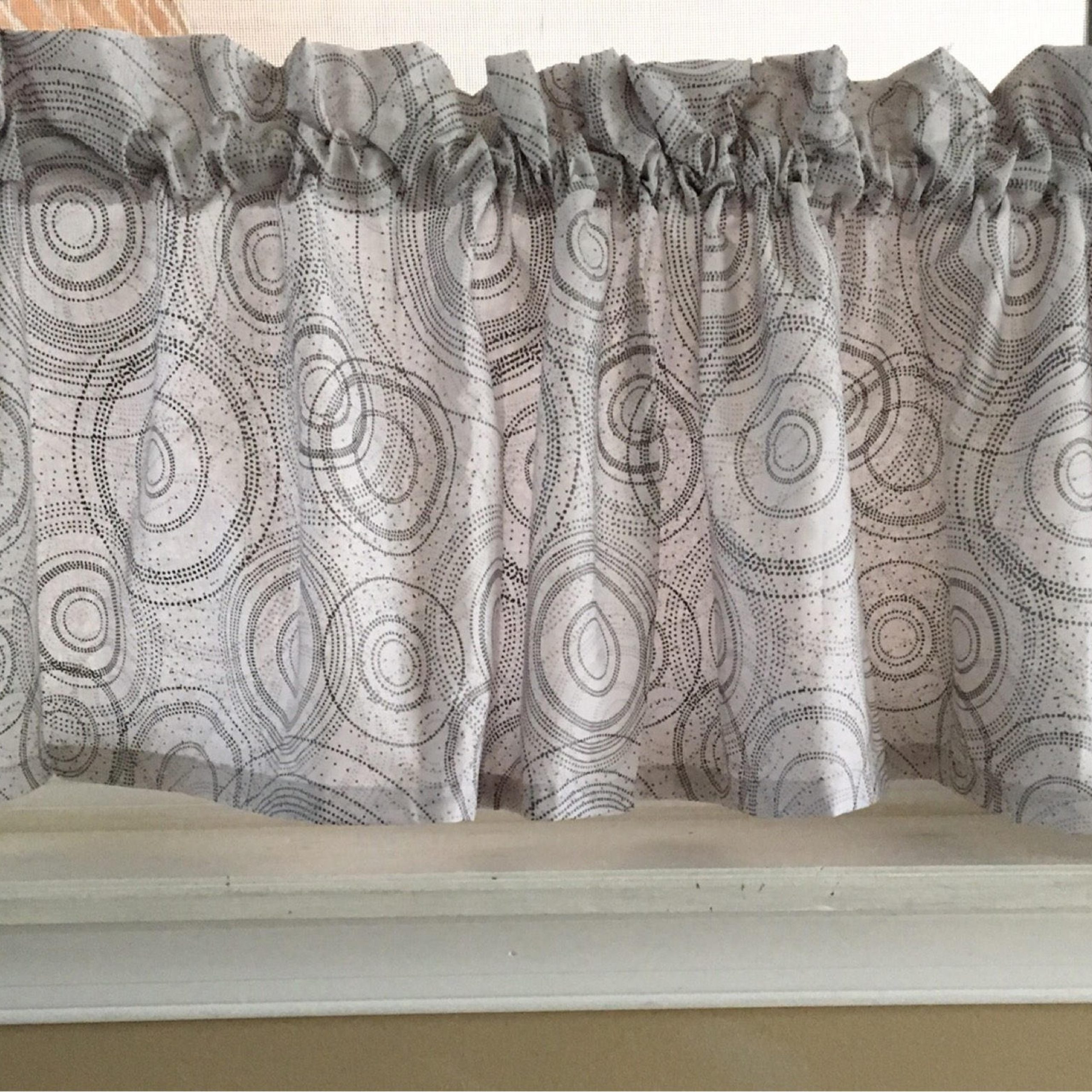 "Contemporary Circle Gray & White Valance Curtain 42""w X 13""l For Circle Curtain Valances (View 5 of 20)"