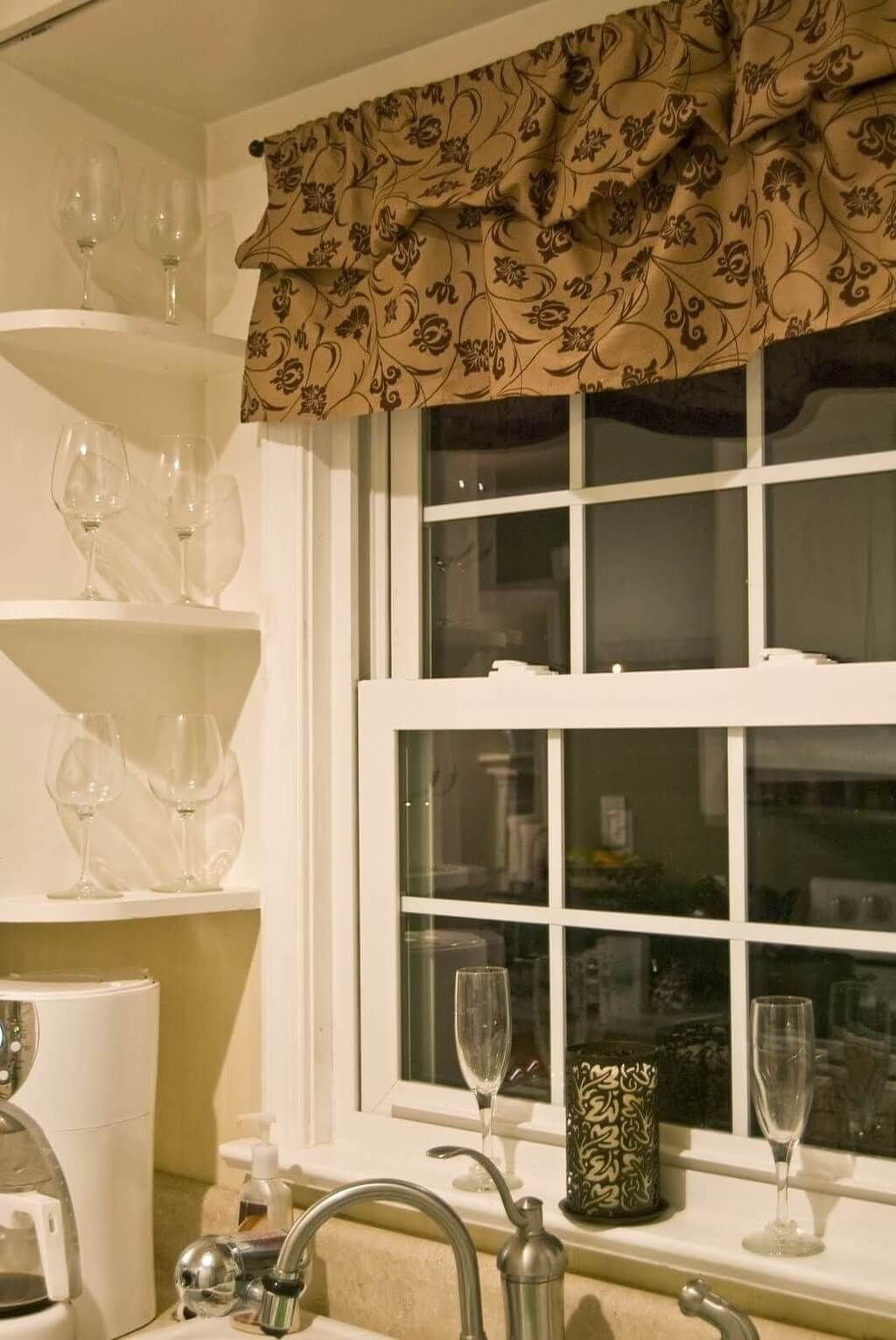 Kitchen: Traditional Kitchen Curtain Inspiration With Brown Throughout Classic Kitchen Curtain Sets (View 12 of 20)