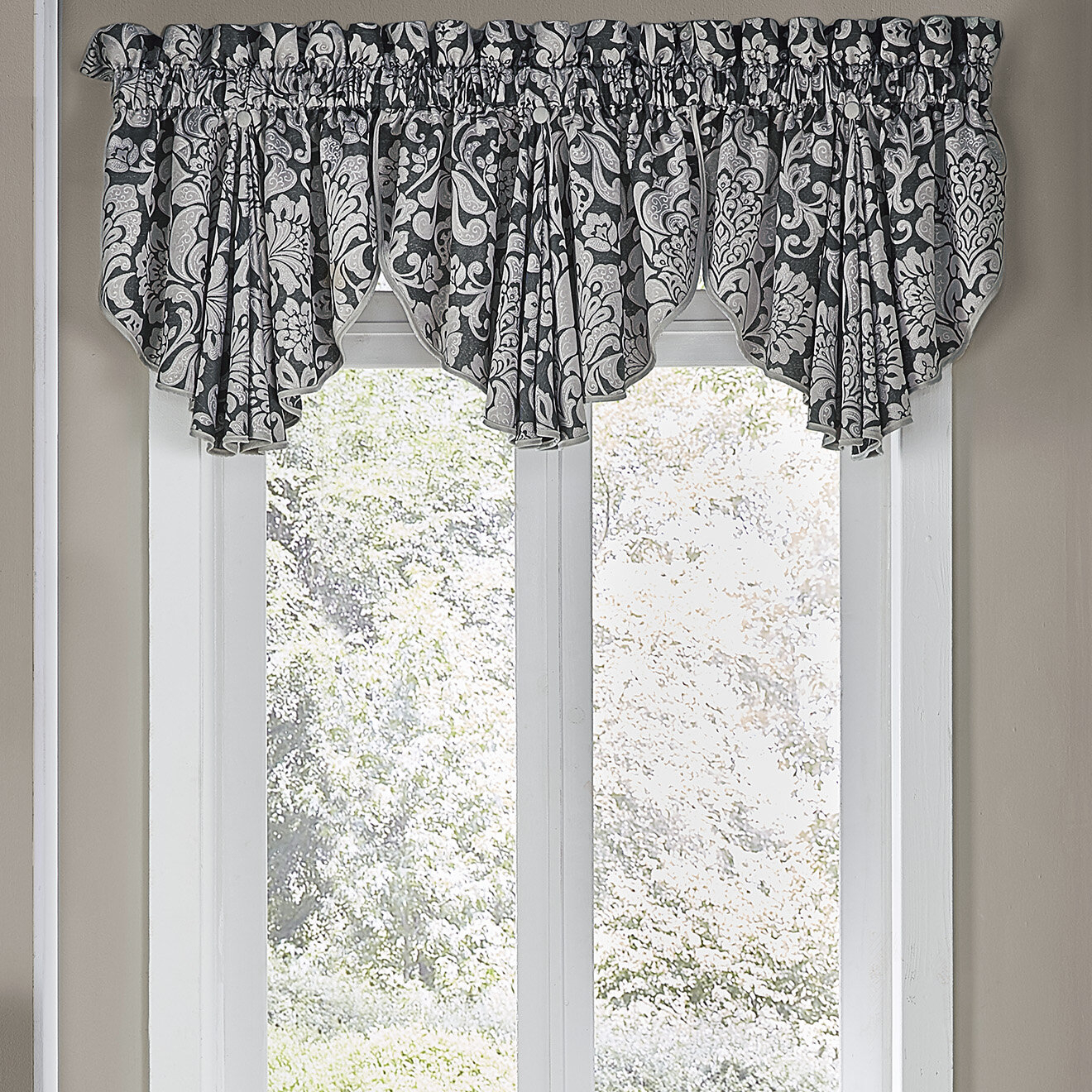 Popular Photo of Circle Curtain Valances