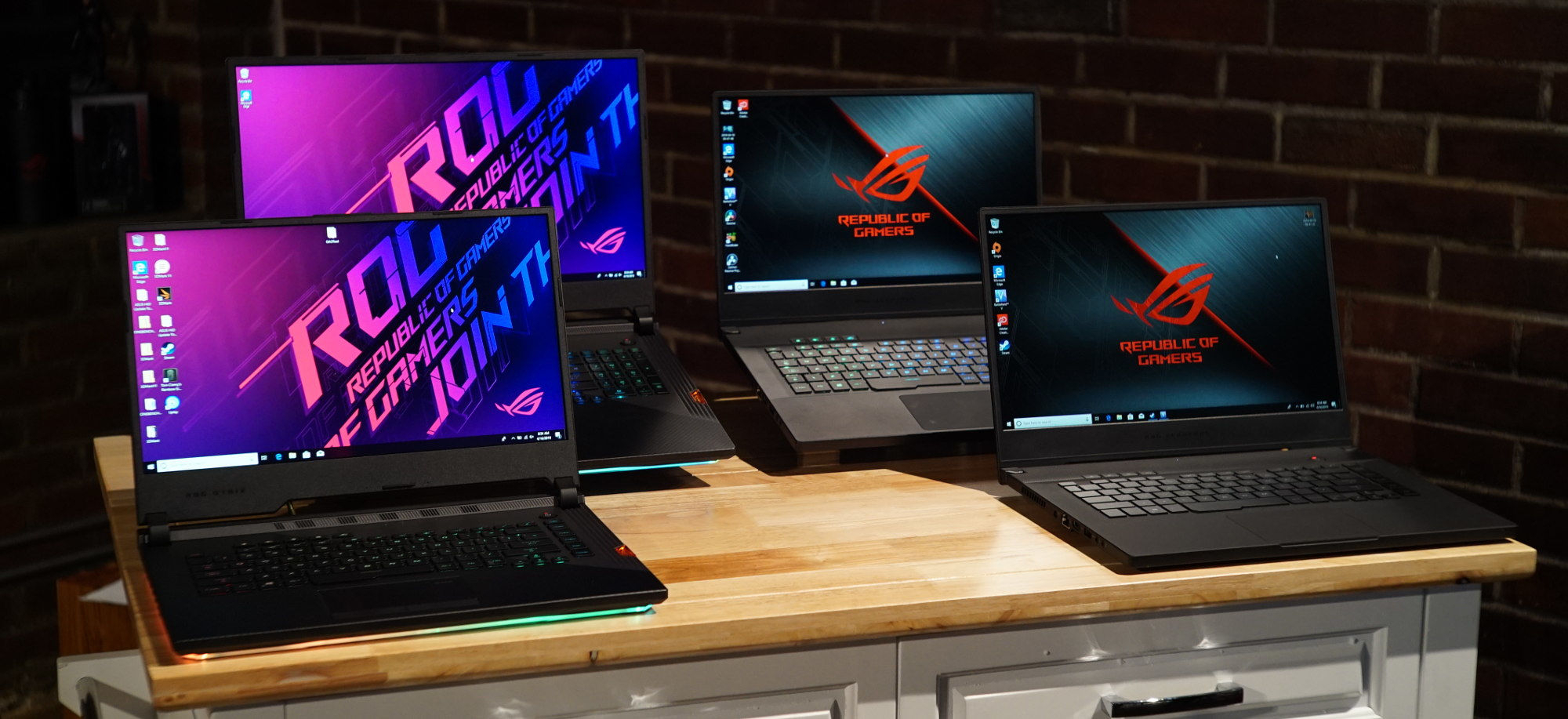 Spring 2019 Gaming Laptop Guide: Rog Returns To Redefine Regarding Touch Of Spring 24 Inch Tier Pairs (View 20 of 20)
