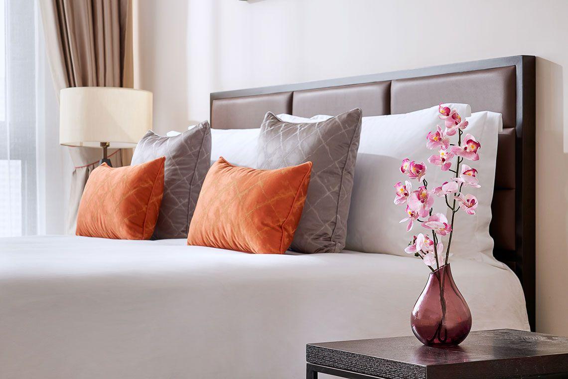 Yangzhou Hotels | Oakwood Asia – Oakwood Apartments Yangzhou For Oakwood Linen Style Decorative Curtain Tier Sets (Gallery 16 of 20)