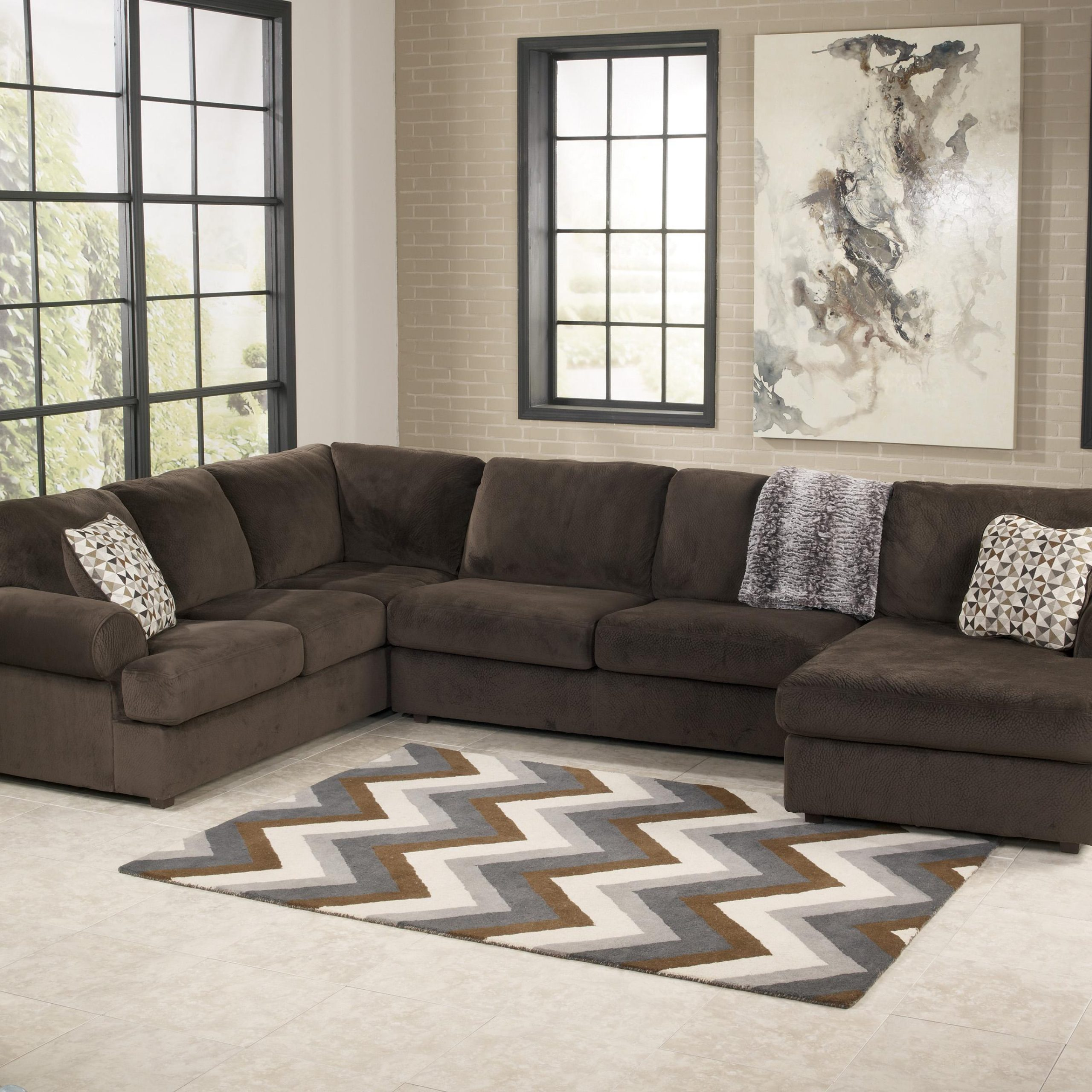 Casual Sectional Sofa With Right Chaisesignature Pertaining To Hannah Right Sectional Sofas (View 8 of 15)